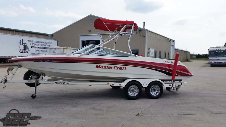 1997 MASTER CRAFT 225 V OPEN BOW SKI BOAT