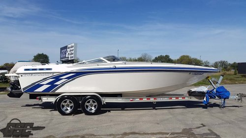 2004 CHECKMATE 270 MID CABIN OPEN BOW