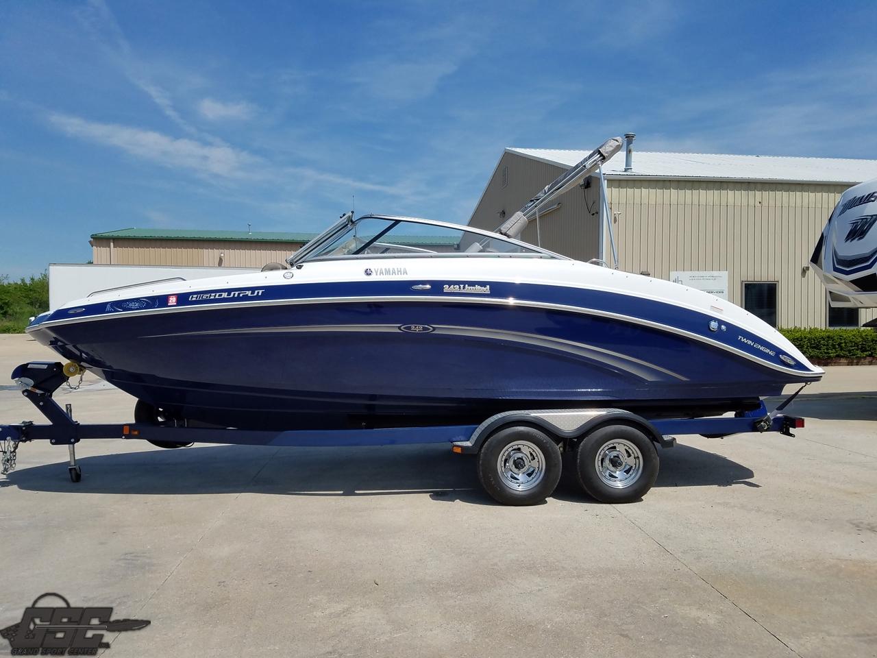 2013 Yamaha 242 Limited Jet Boat