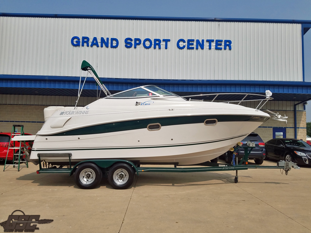 2004 Four Winns 248 Vista Cruiser