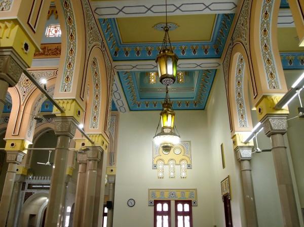 a mosque in dubai