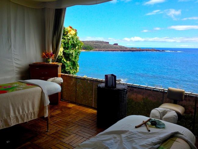 oceanfront massage hut Four seasons