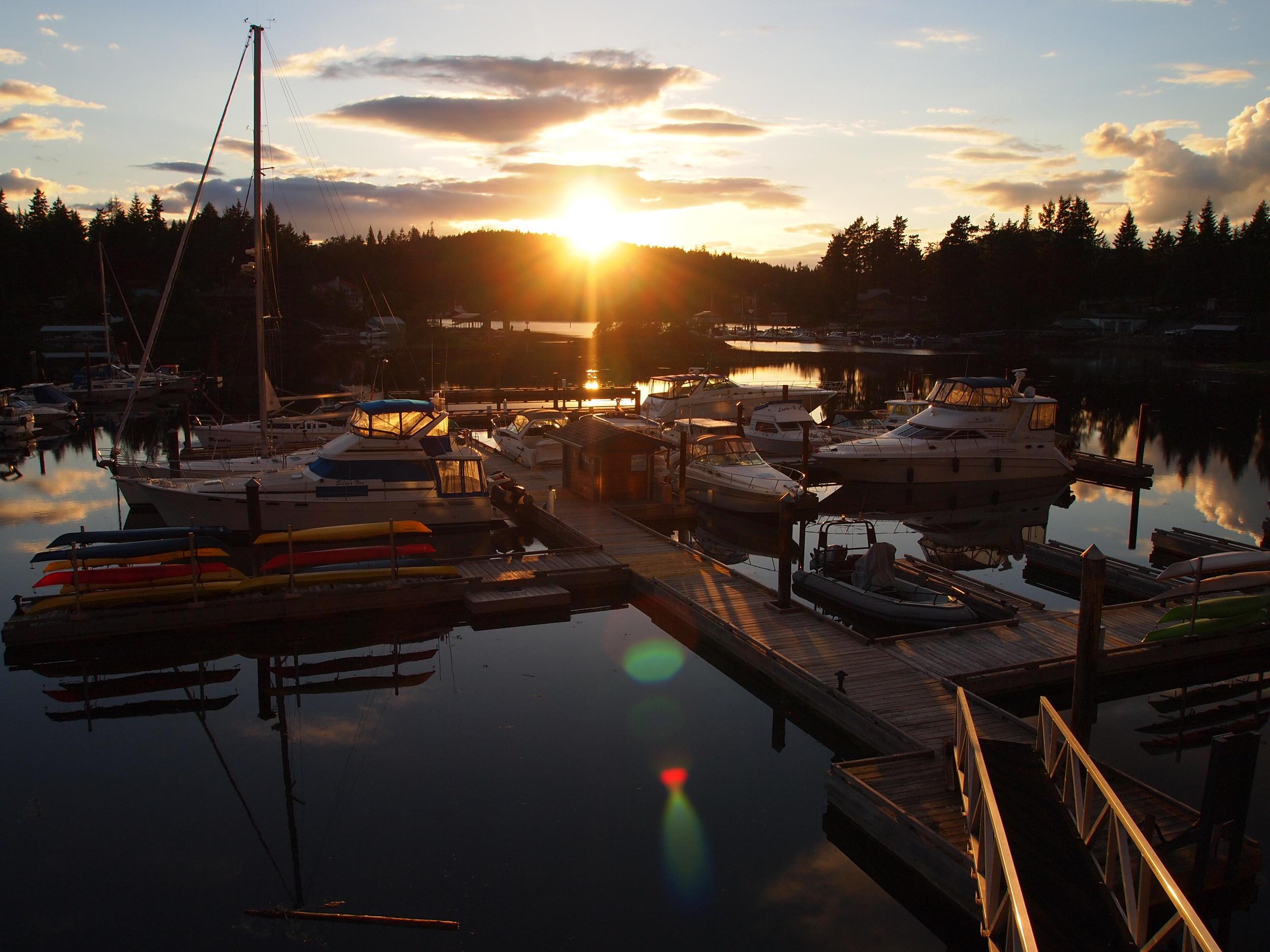 Canada's Sunshine Coast. Painted Boat Resort .