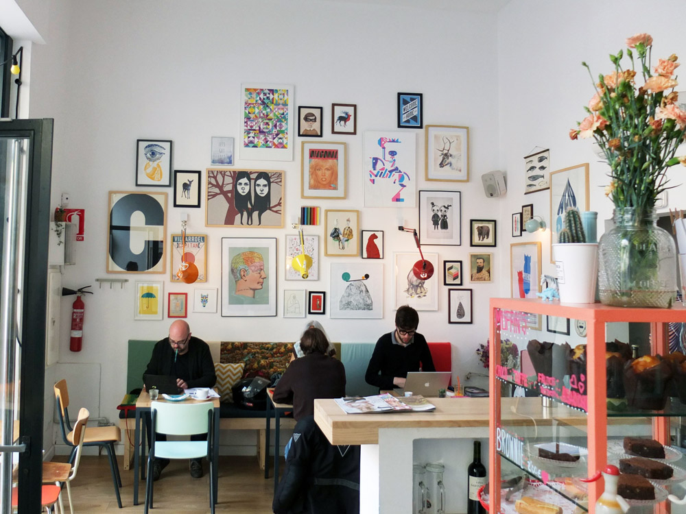EAT //  Café Cometa  is a colorful rest stop for a coffee or a juice in Sant Antoni.