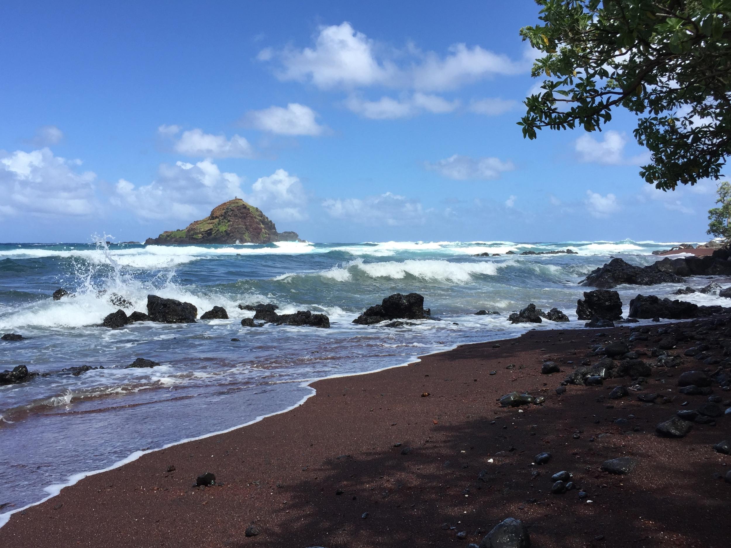 Koki red-sand beach