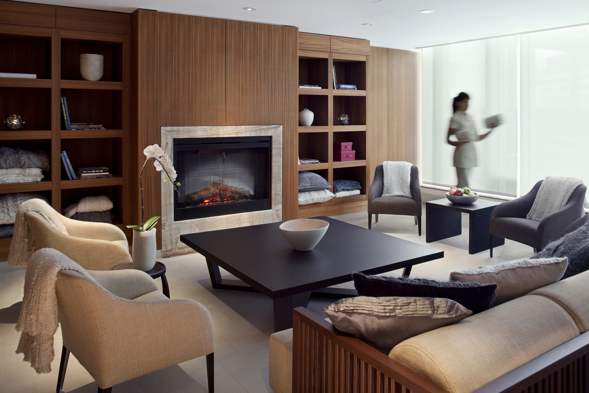 The ladies lounge in the spa.