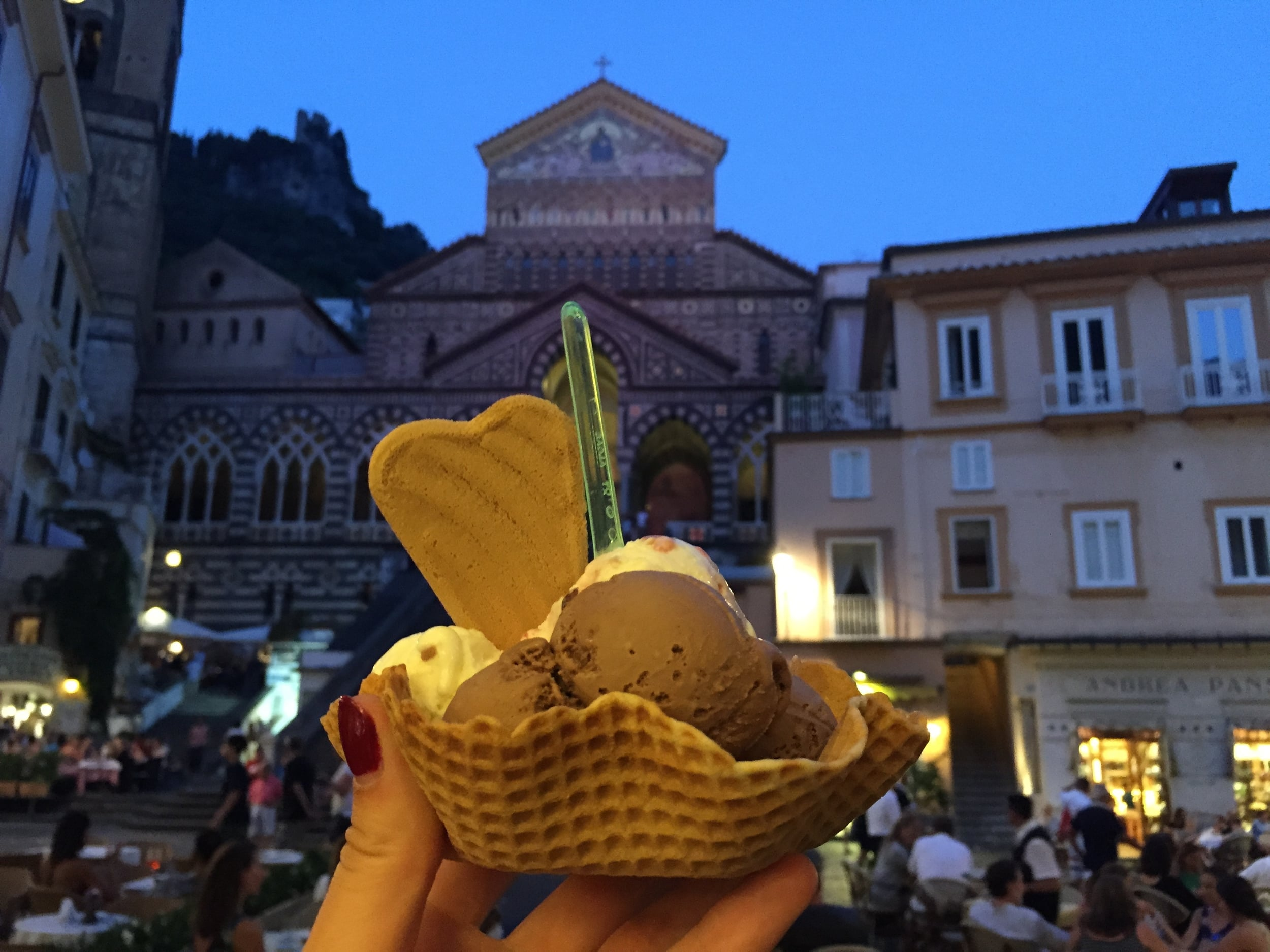 Amalfi: Picturesque gelato...