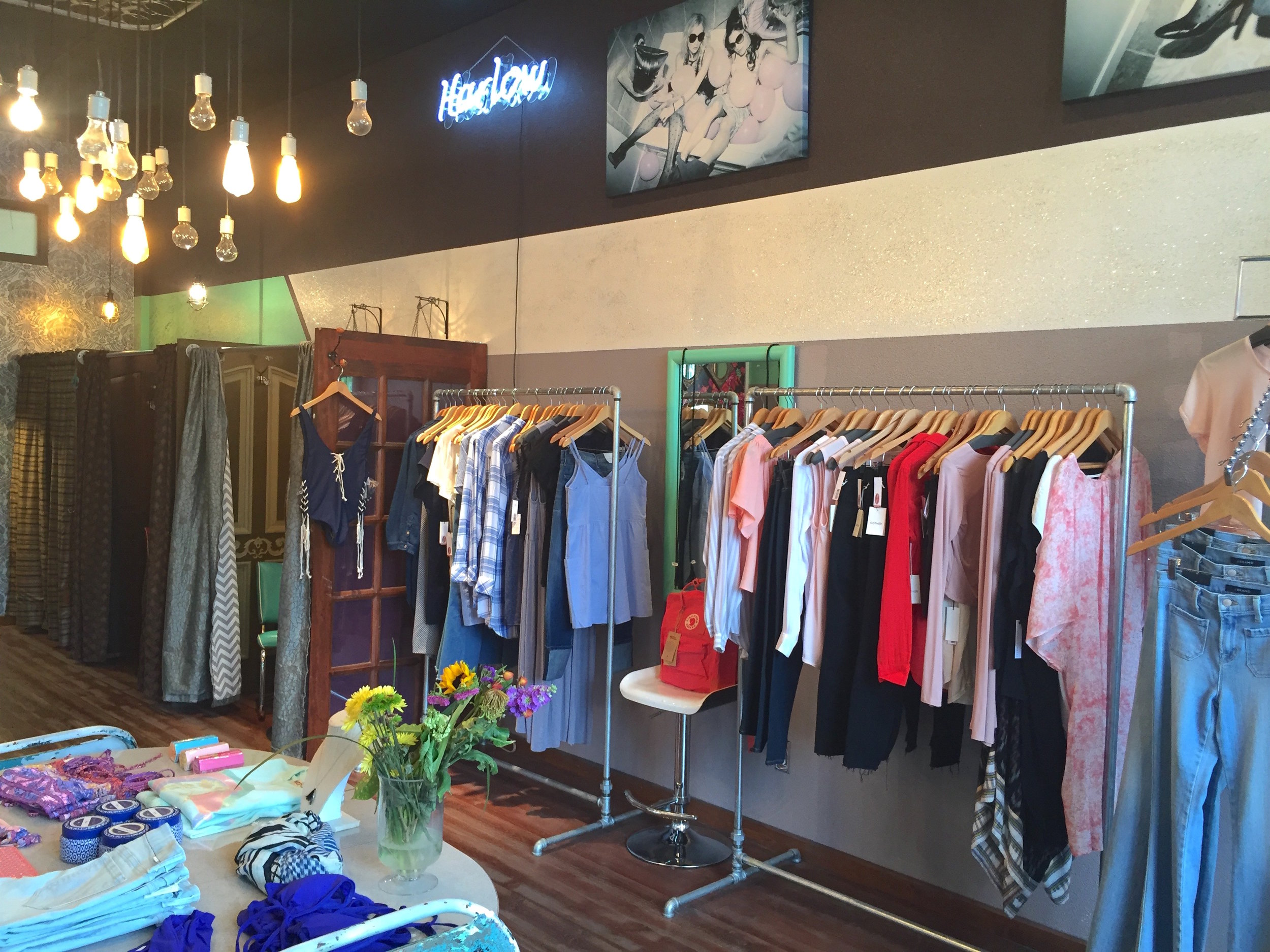 Shop ::  Harlow . If I lived in Whitefish, I'd buy my entire wardrobe here. When I visited, I became a regular stopping in to chat with staff and try on the gorgeous garments ranging from Mother Denim jeans to Free People dresses to Cleobella bags.