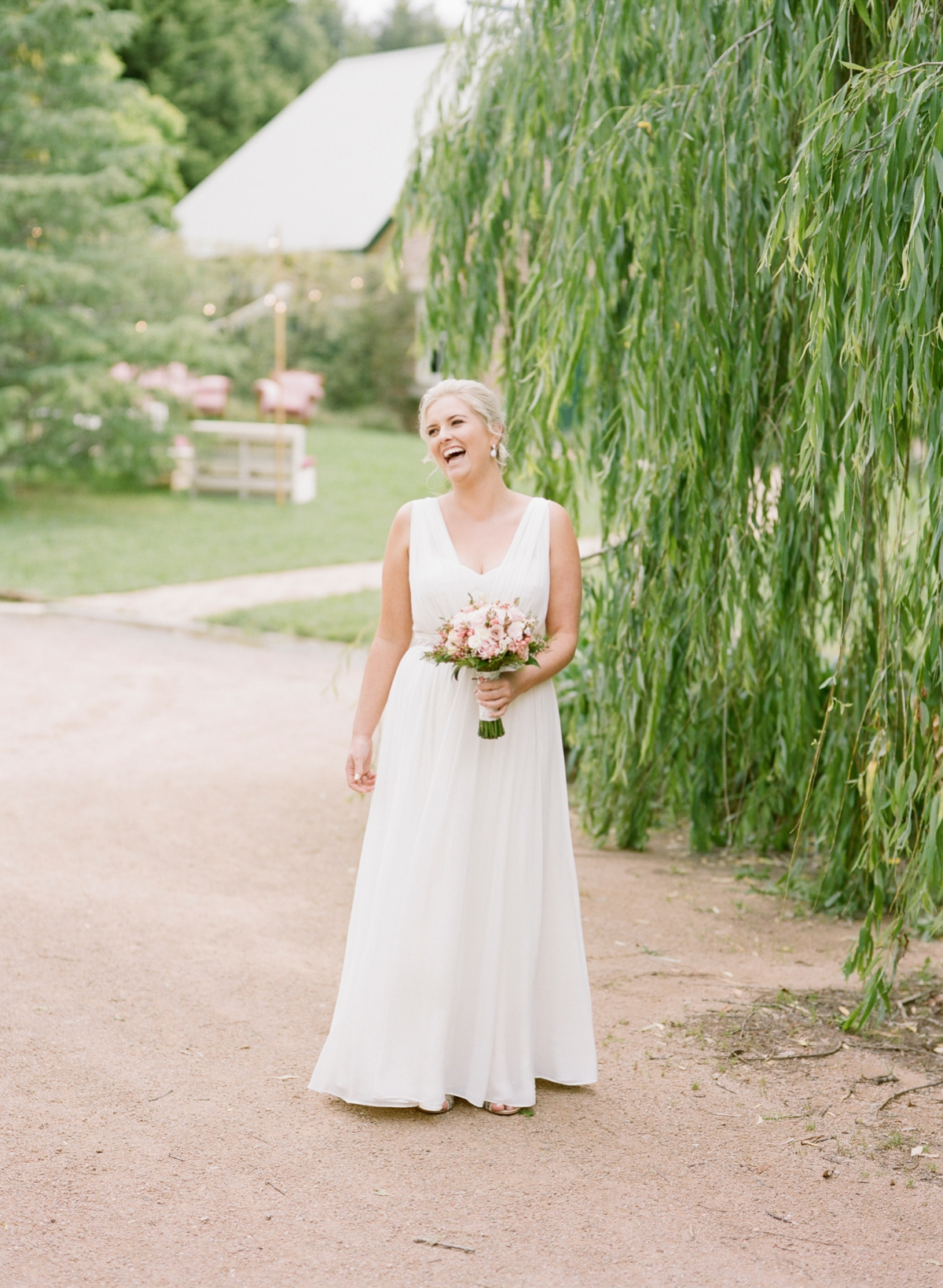 Monterose berry farm wedding by Mr Edwards Photography_0722.jpg