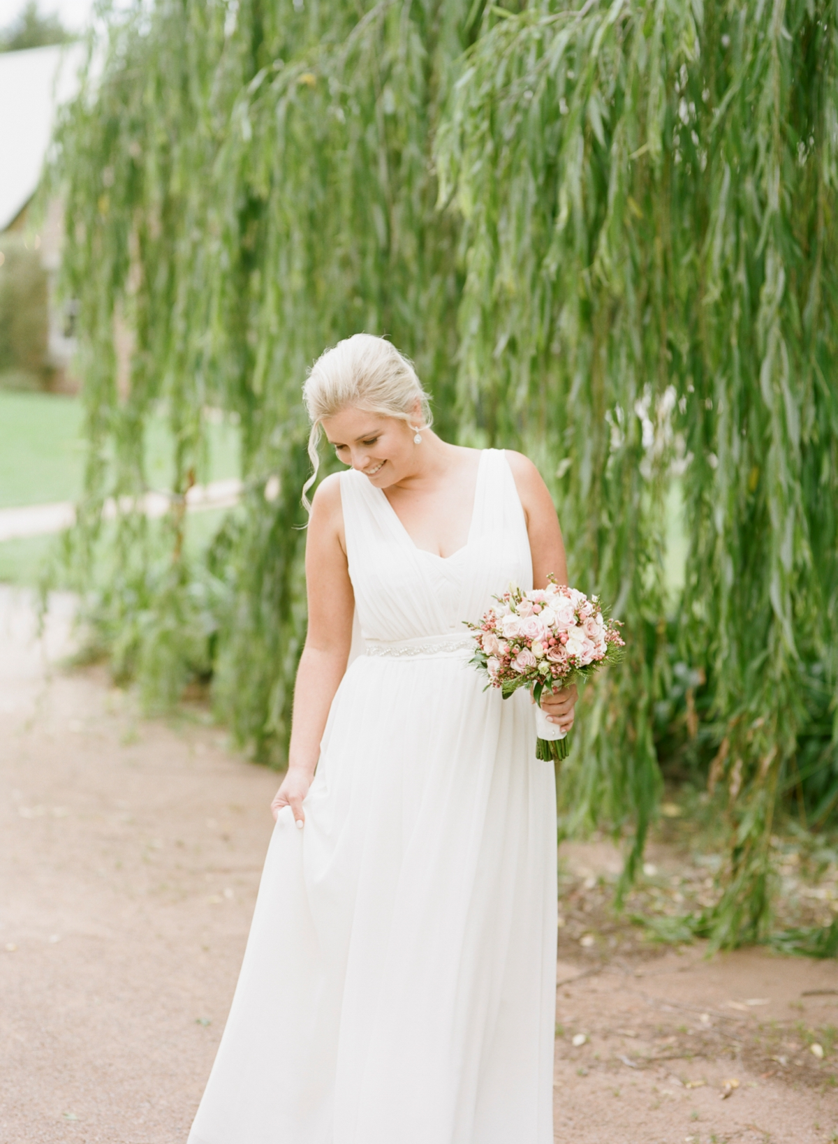 Monterose berry farm wedding by Mr Edwards Photography_0727.jpg