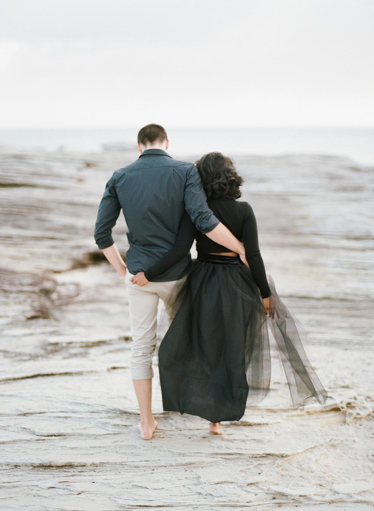 Coastal Sydney couples session by Mr Edwards Photography_0737_1147.jpg