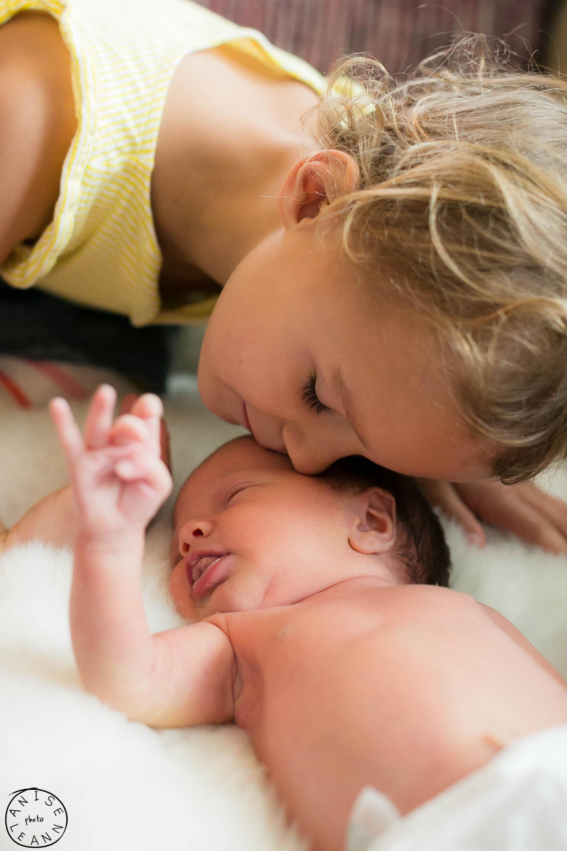 Arlowe Newborn -9.jpg