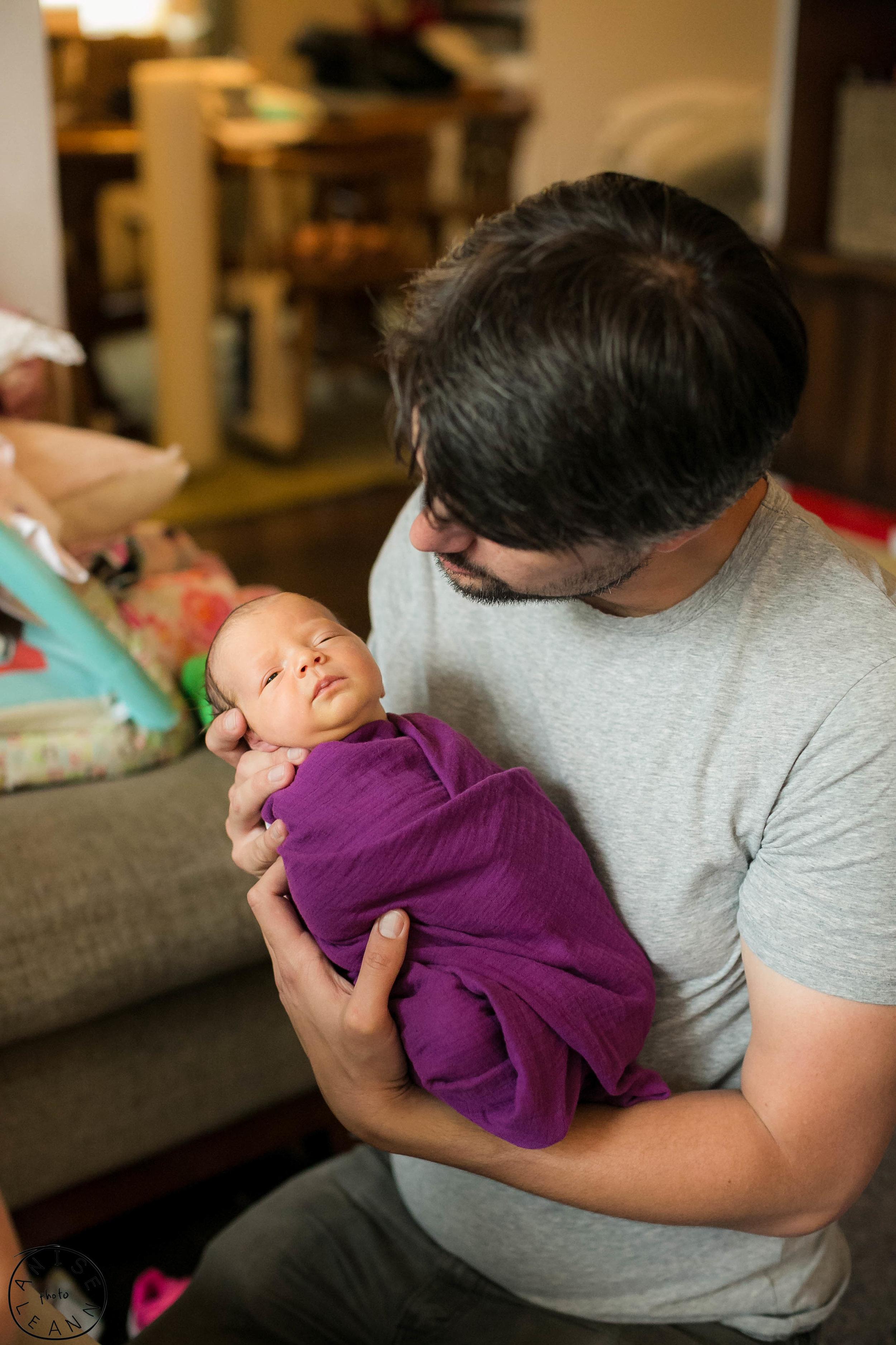 Arlowe Newborn -40.jpg