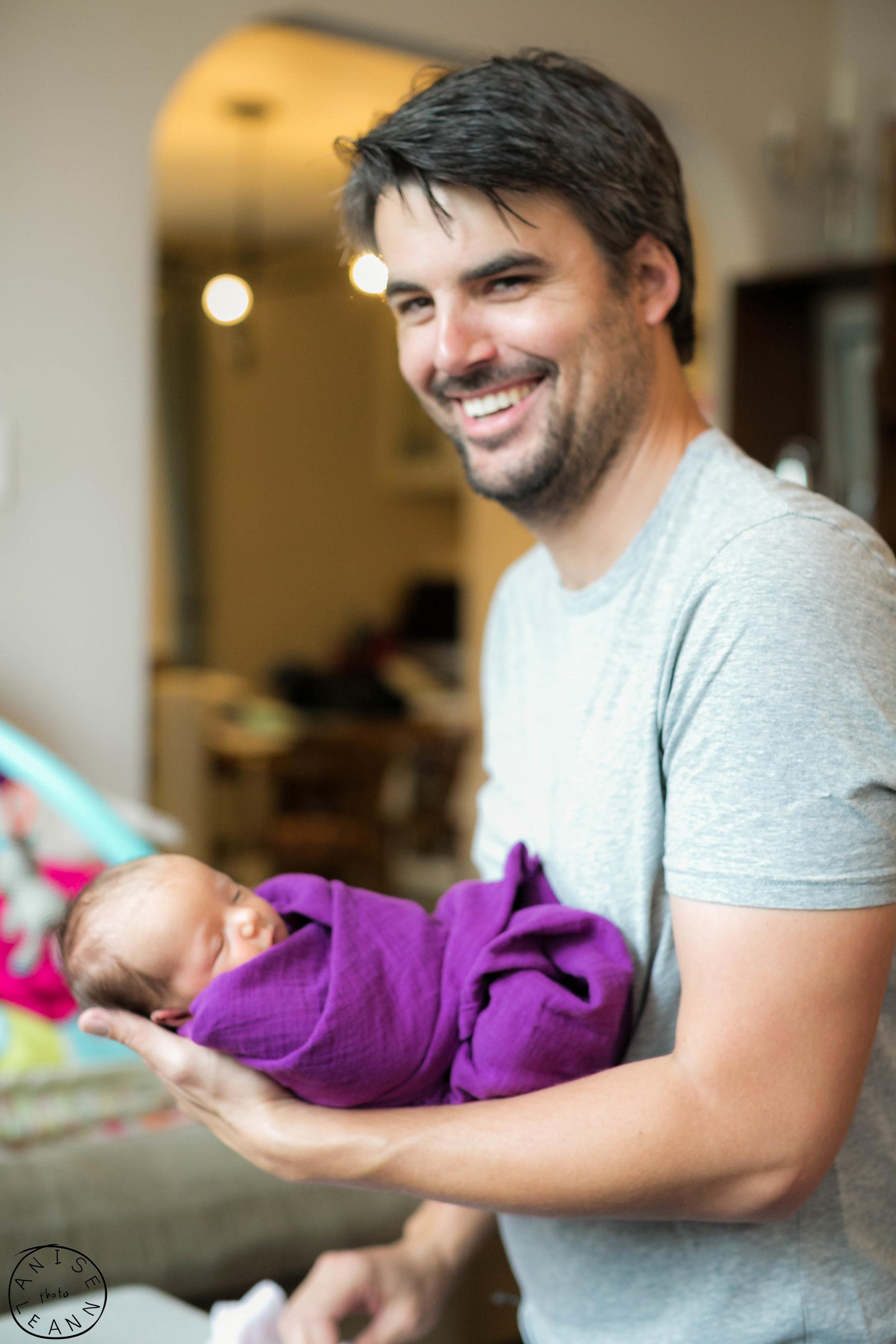 Arlowe Newborn -56.jpg