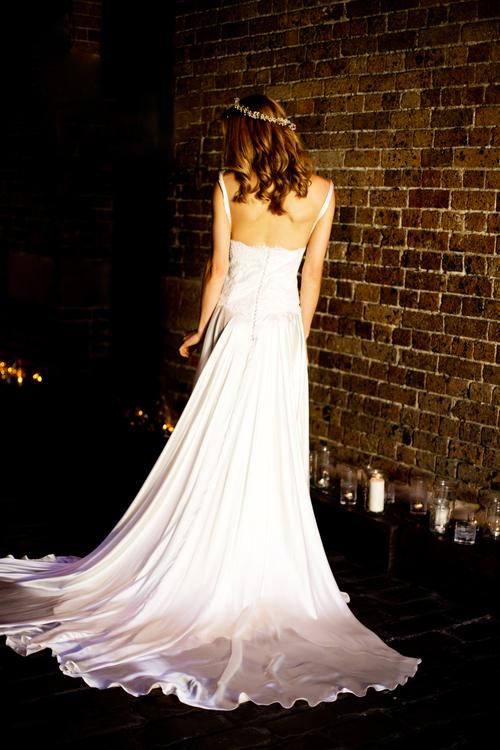 Ellie+wedding+dress+back+moira+hughes