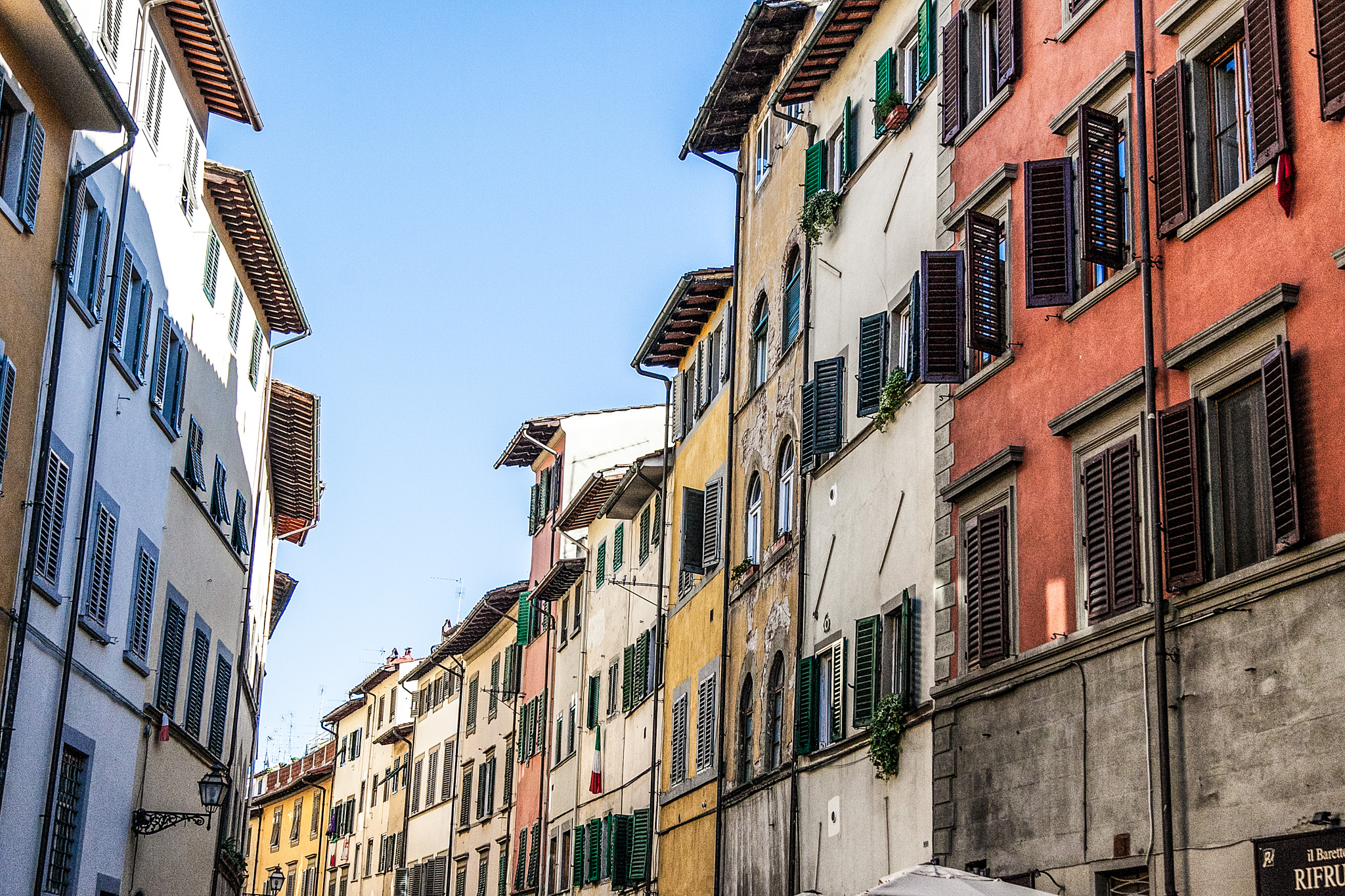 The stunning different colors of Florence streets.