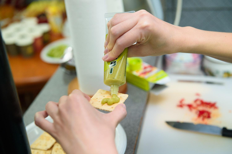 Wasabi cracker
