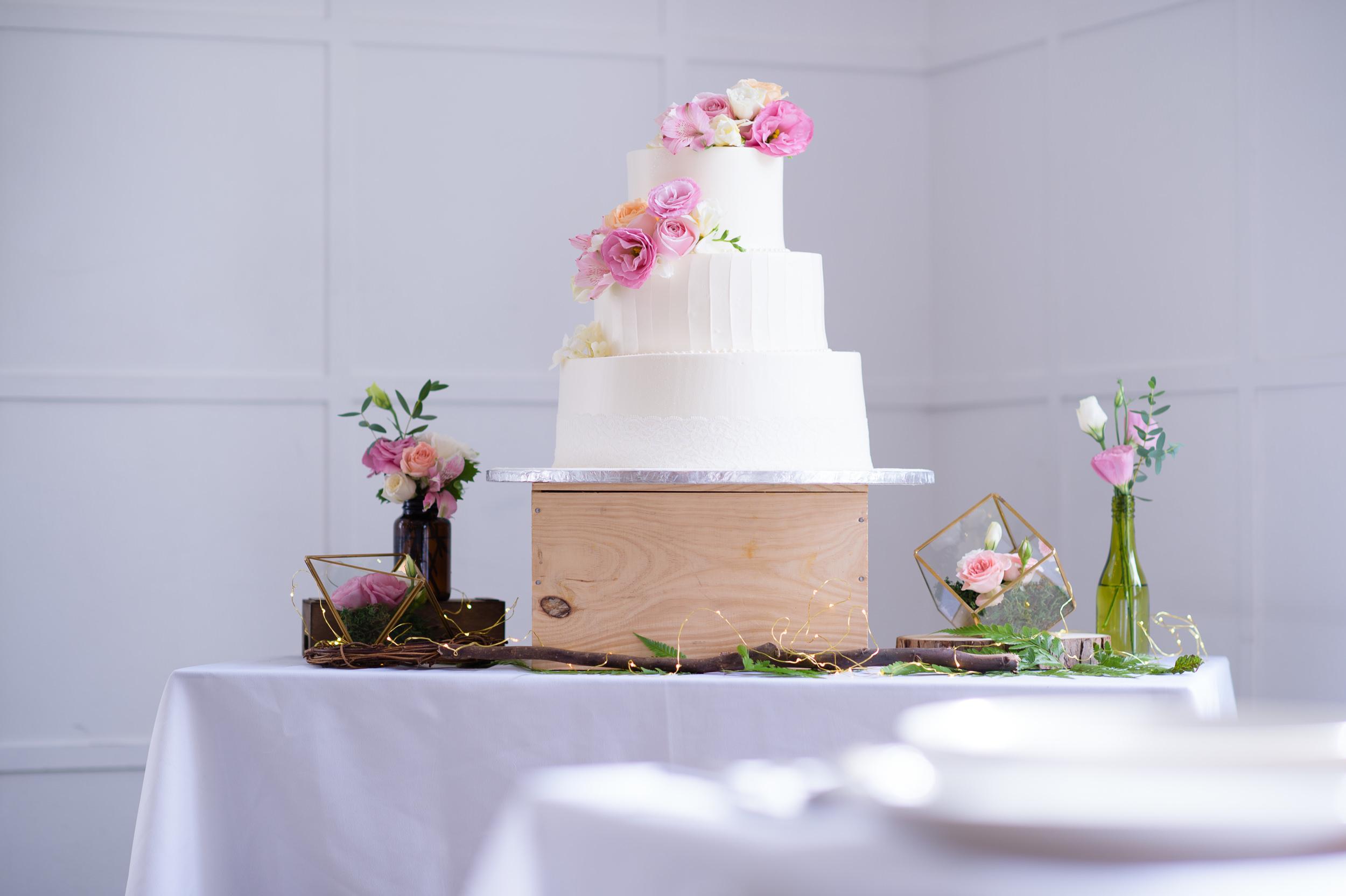 ROM Wedding Cake Bokelicious Photography