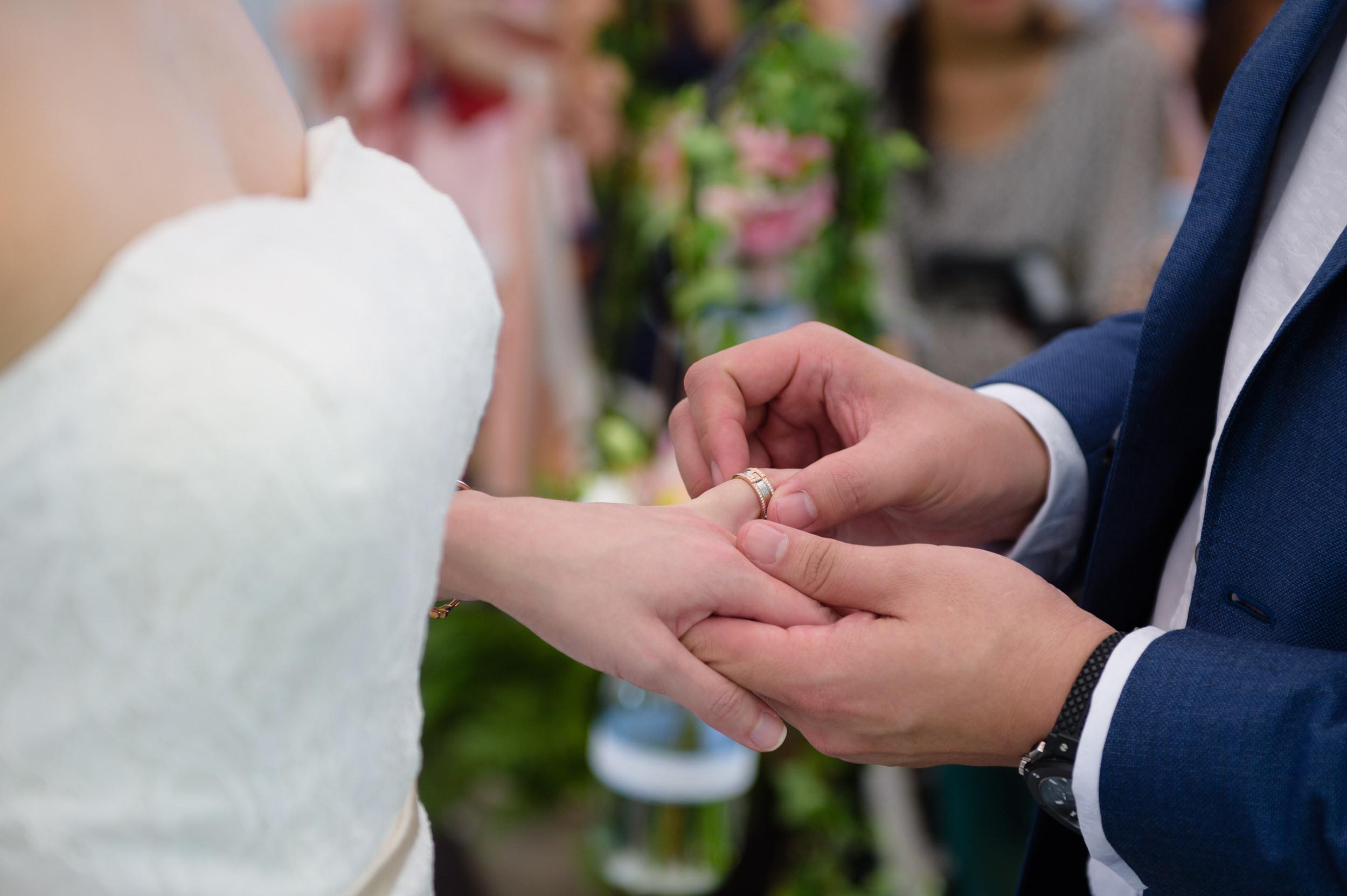 ROM wedding ring exchange