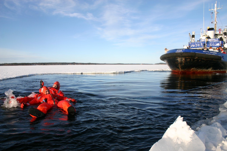 Icebathing1.jpg