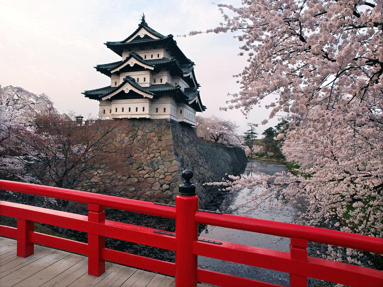 Hirosaki_castle.jpg