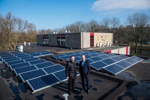 Rooftop Energy plaatste op basisschool De Schakel zonnepanelen Foto: Marjolijn Pokorny