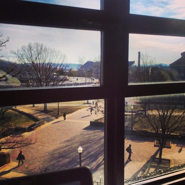 @almonty1  Beautiful study spot on a beautiful day. #sweetspots