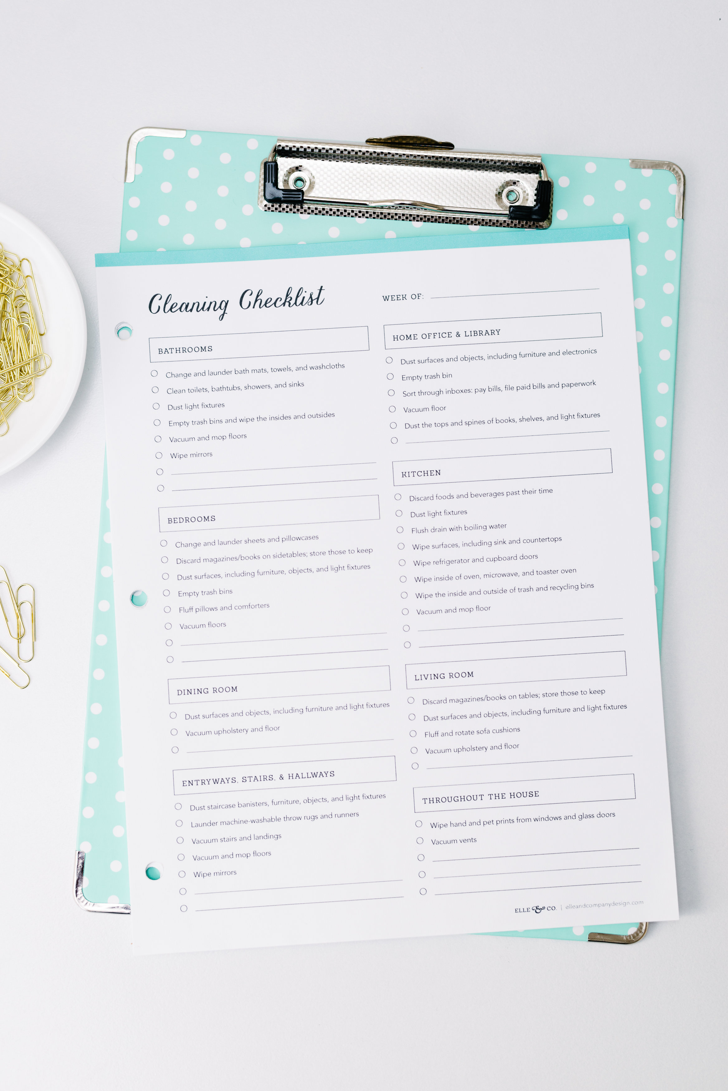 Printable cleaning checklist, perfect for conquering cleaning tasks over time! // Elle & Company