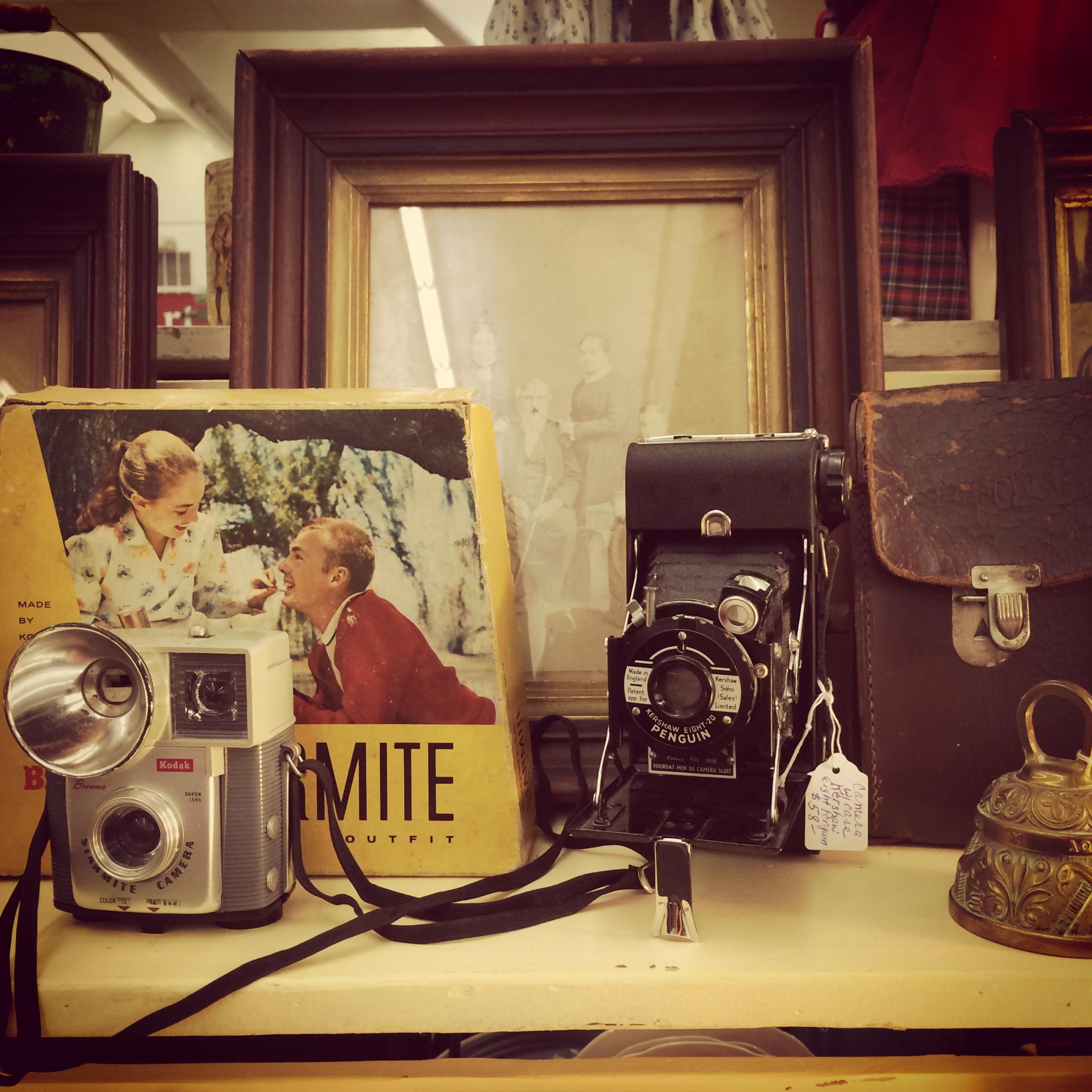 I love vintage cameras.