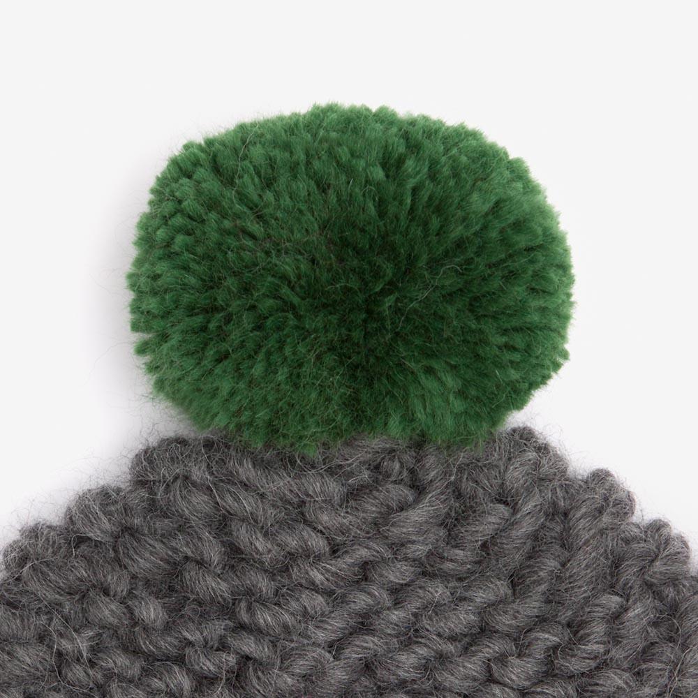 grey_green_bobble.jpg