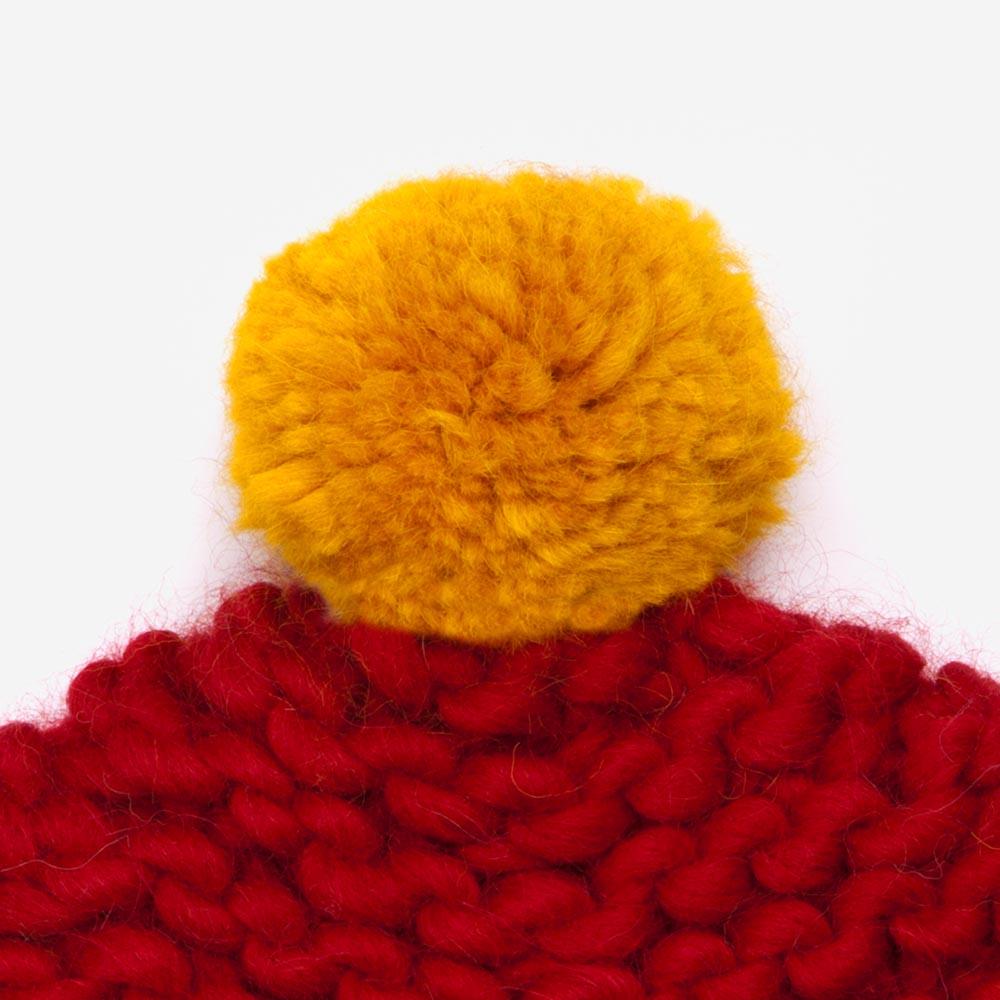 red_pompom.jpg