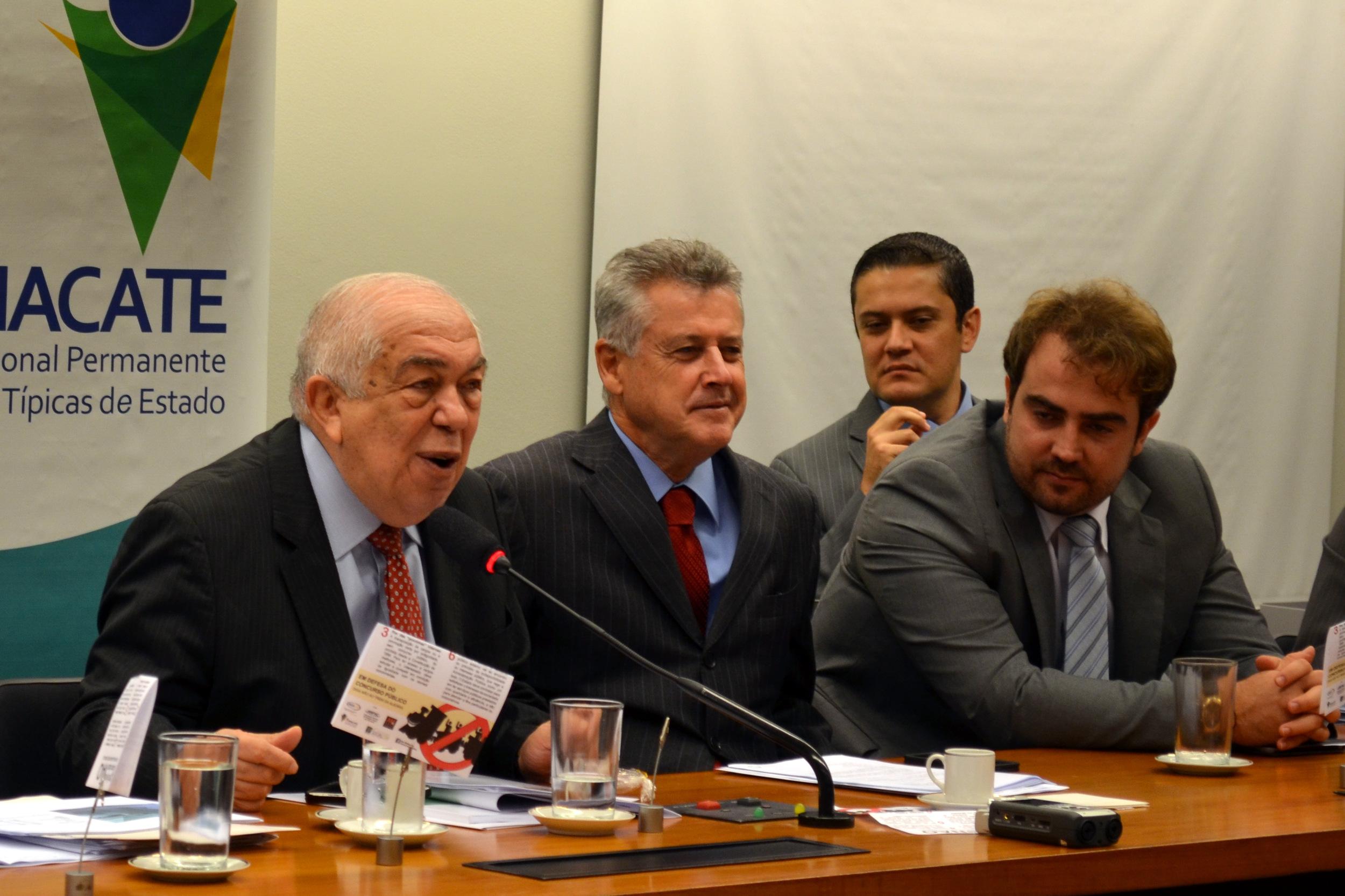 Deputado Paes Landim (E) é o relator do projeto na Câmara dos Deputados. Foto: Filipe Calmon/ANESP