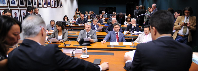 Deputados concluem que é preciso debater mais a matéria. Foto:Lucio Bernardo Jr. / Câmara dos Deputados