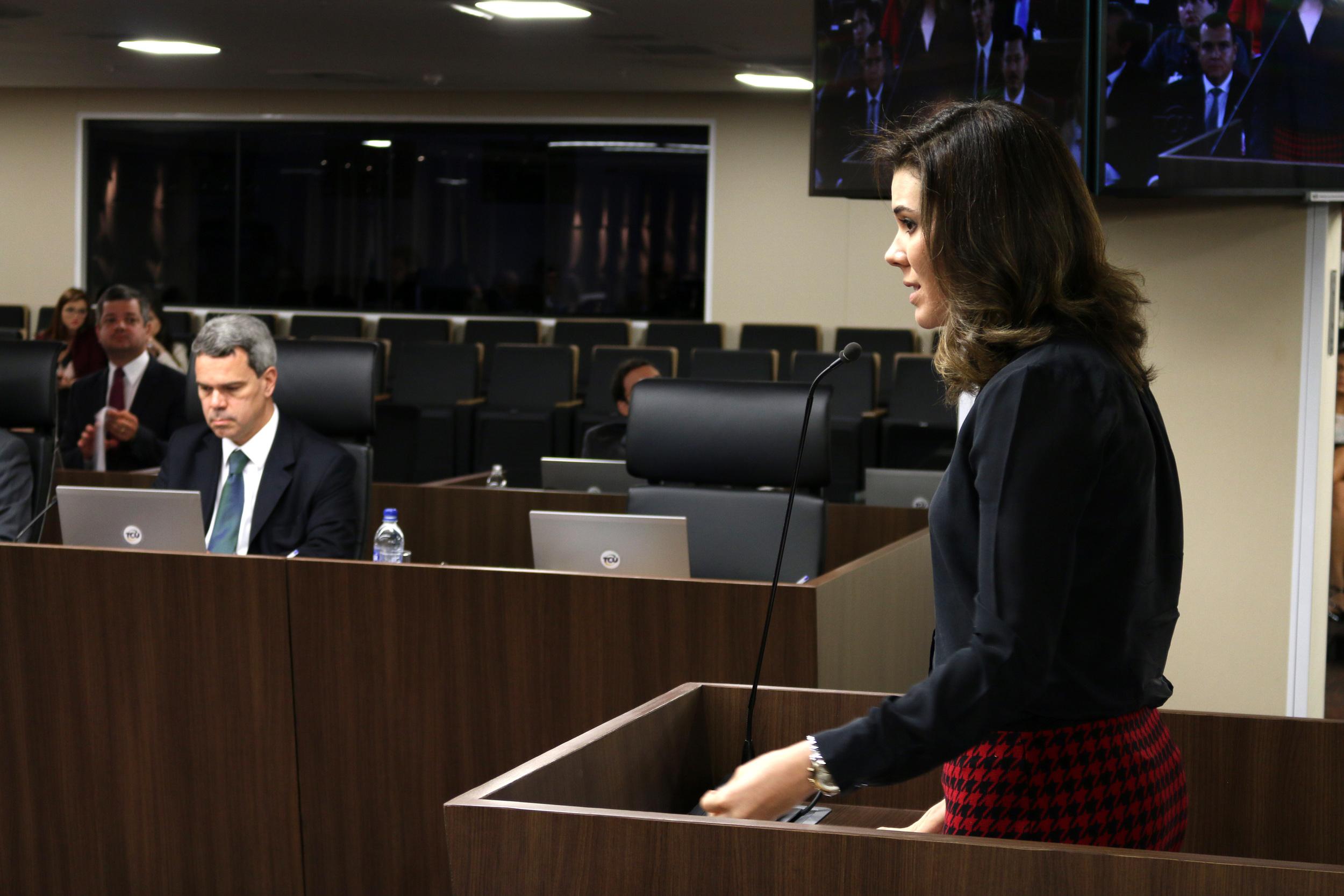 A advogada Julia Pauro em sustentação oral. Foto: Filipe Calmon / ANESP