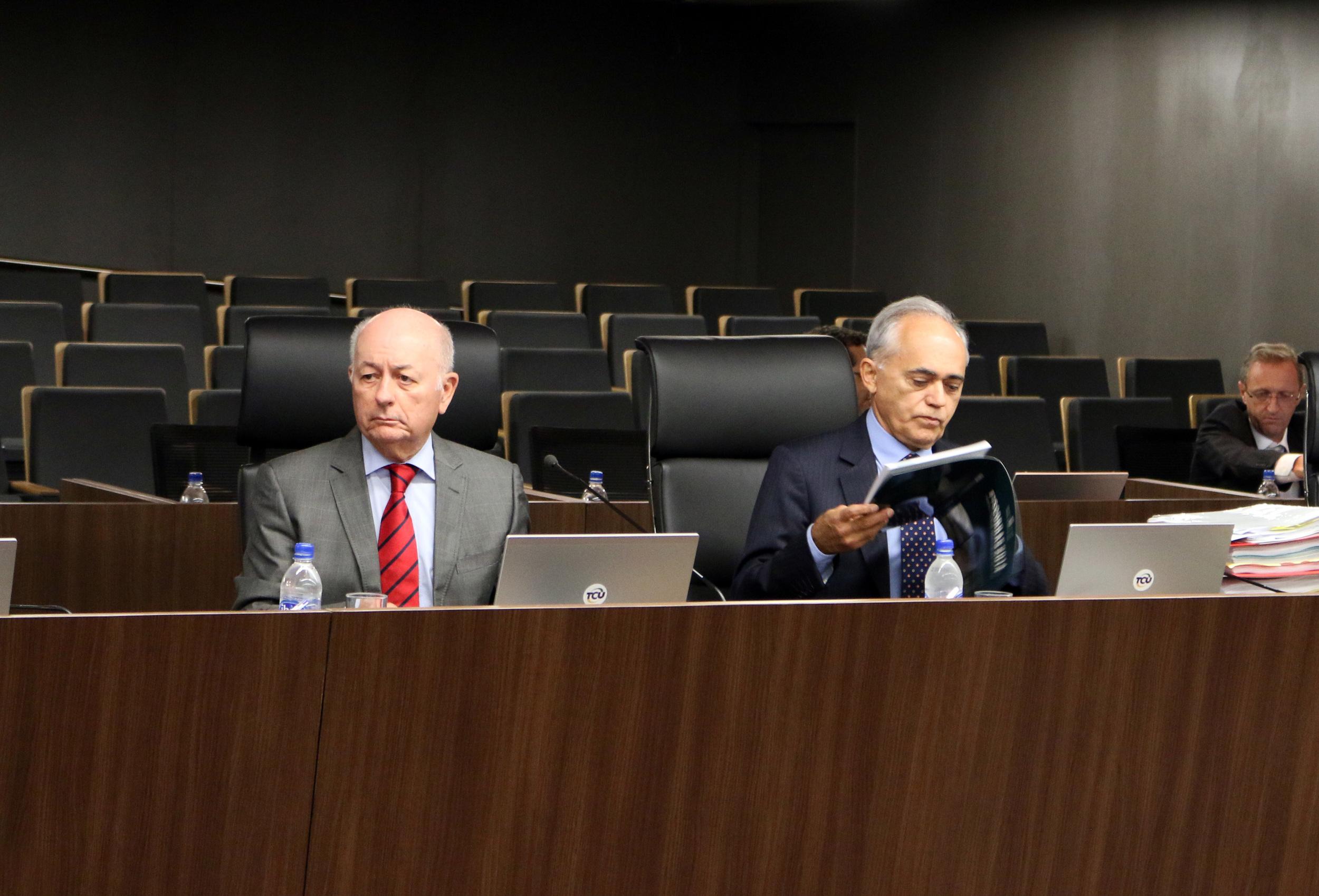Ministro José Jorge e ministro Raimundo Carreiro. Foto: Filipe Calmon / ANESP