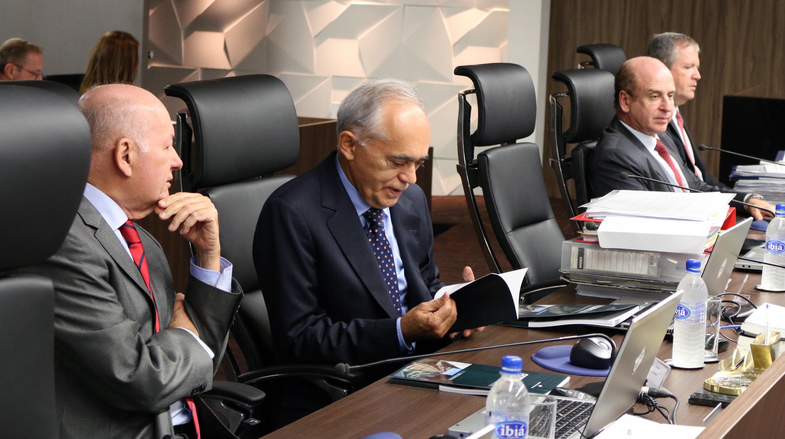 O voto do ministro relator Raimundo Carreiro foi acompanhado pelos demais ministros. Foto: Filipe Calmon / ANESP