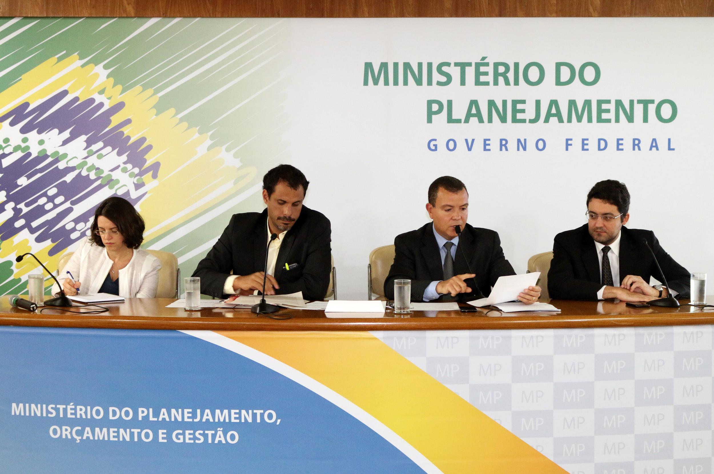 Paula Lima, Andrei Soares, João Aurélio, Alex Canuto - AGE 13-03-2015 - MP - Filipe Calmon - ANESP.jpg