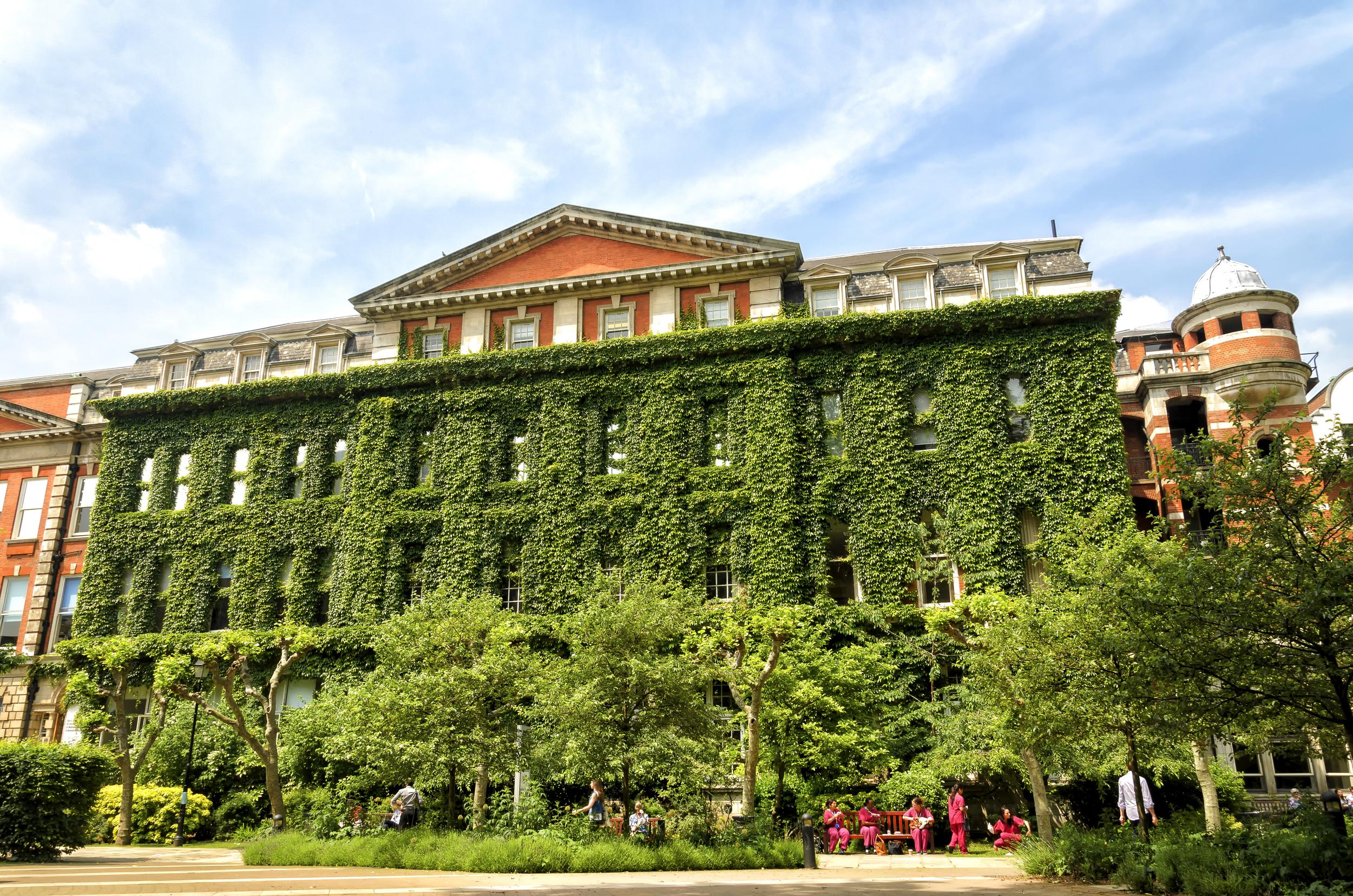 A King's College, de Londres, recebe estudantes para cursos de verão. Foto:Rob Swatski
