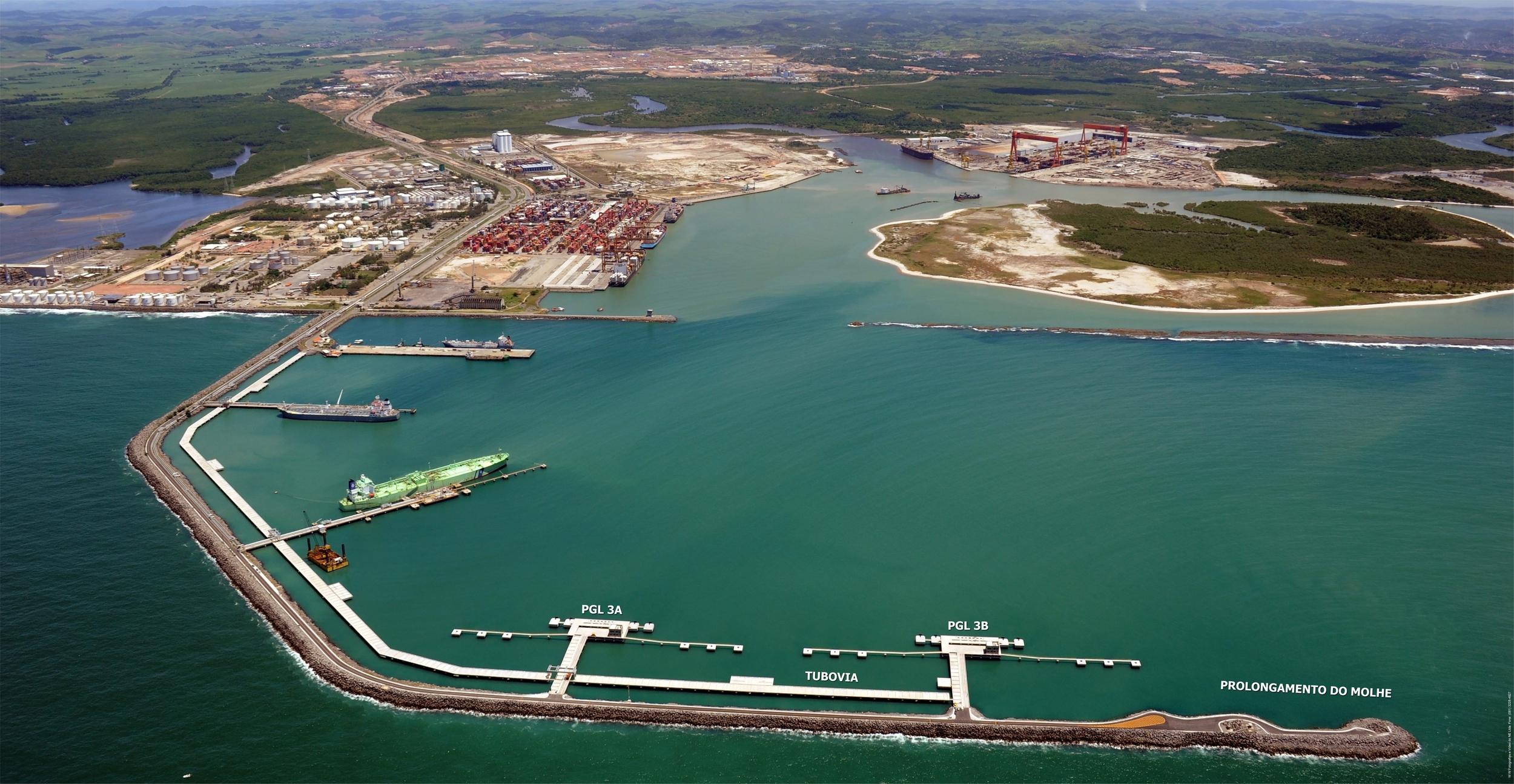 Legenda: Porto do Suape. Crédito: Governo de Pernambuco.