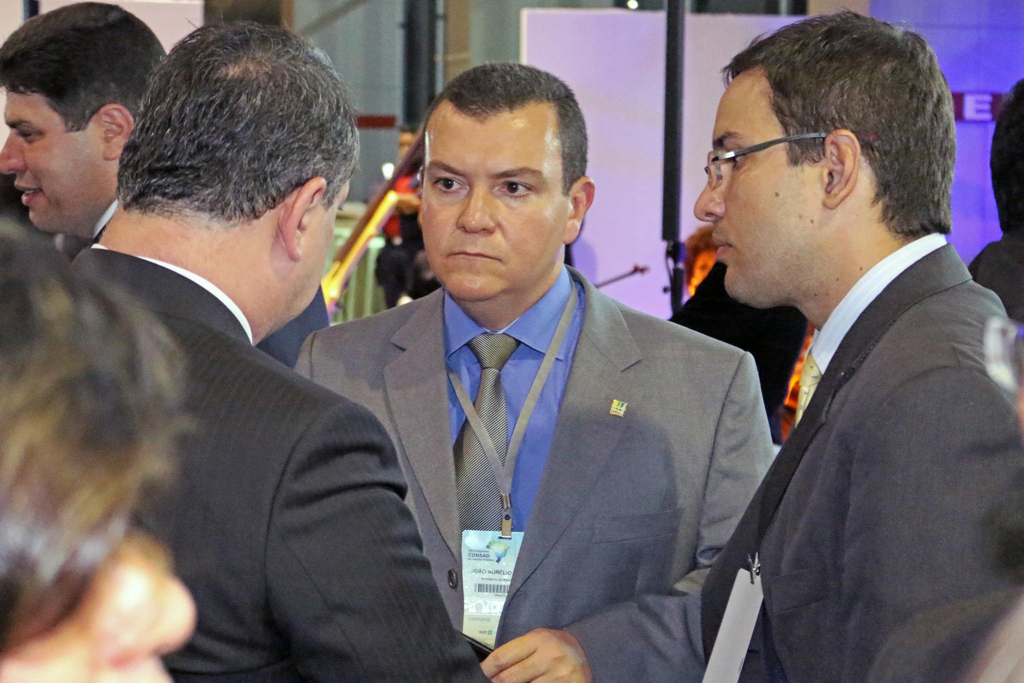 Presidente João Aurélio representando a ANESP