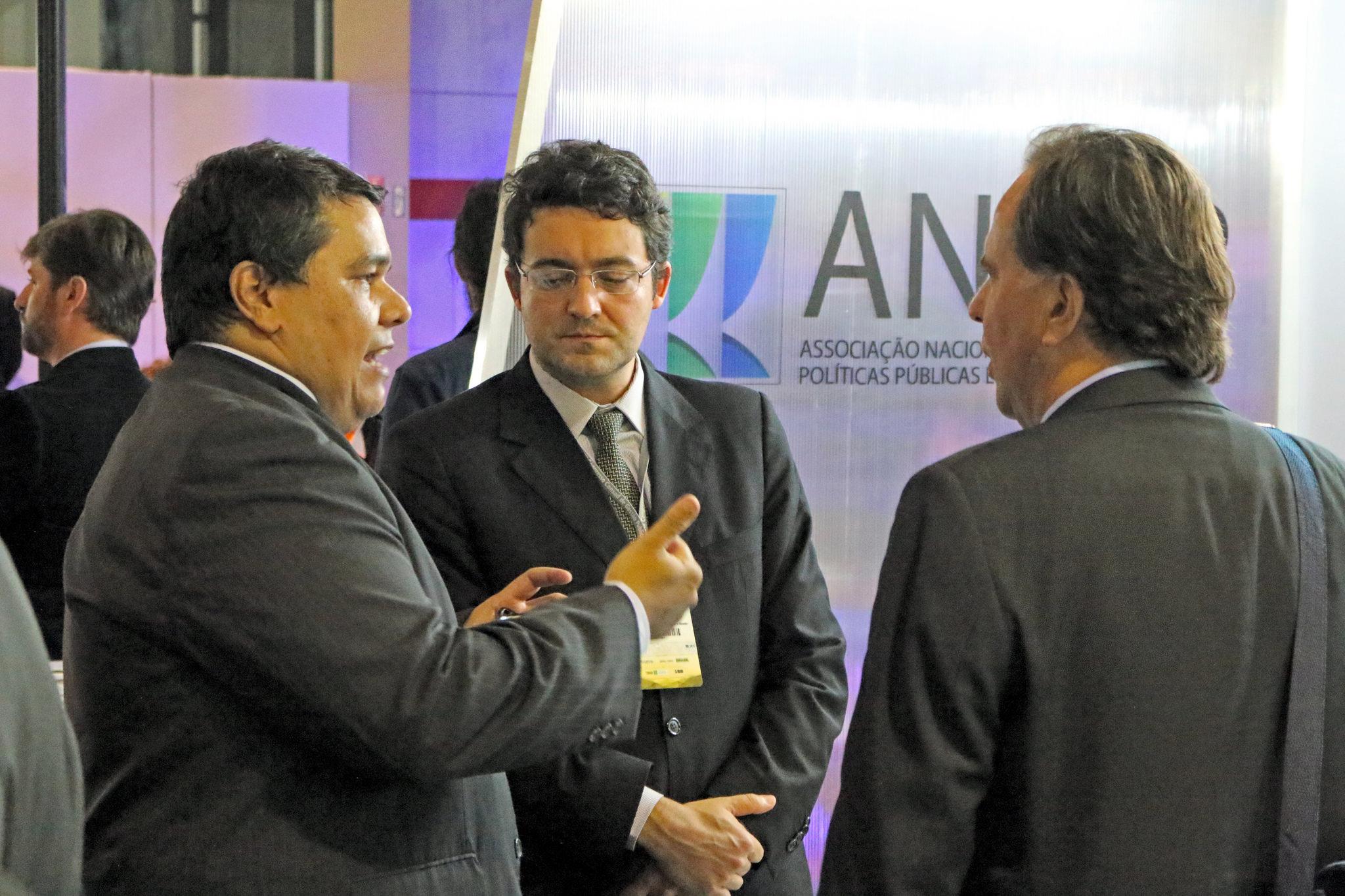 Diretor Jurídico Alex Canuto com Tito Fróes, Coordenador da Carreira de EPPGG