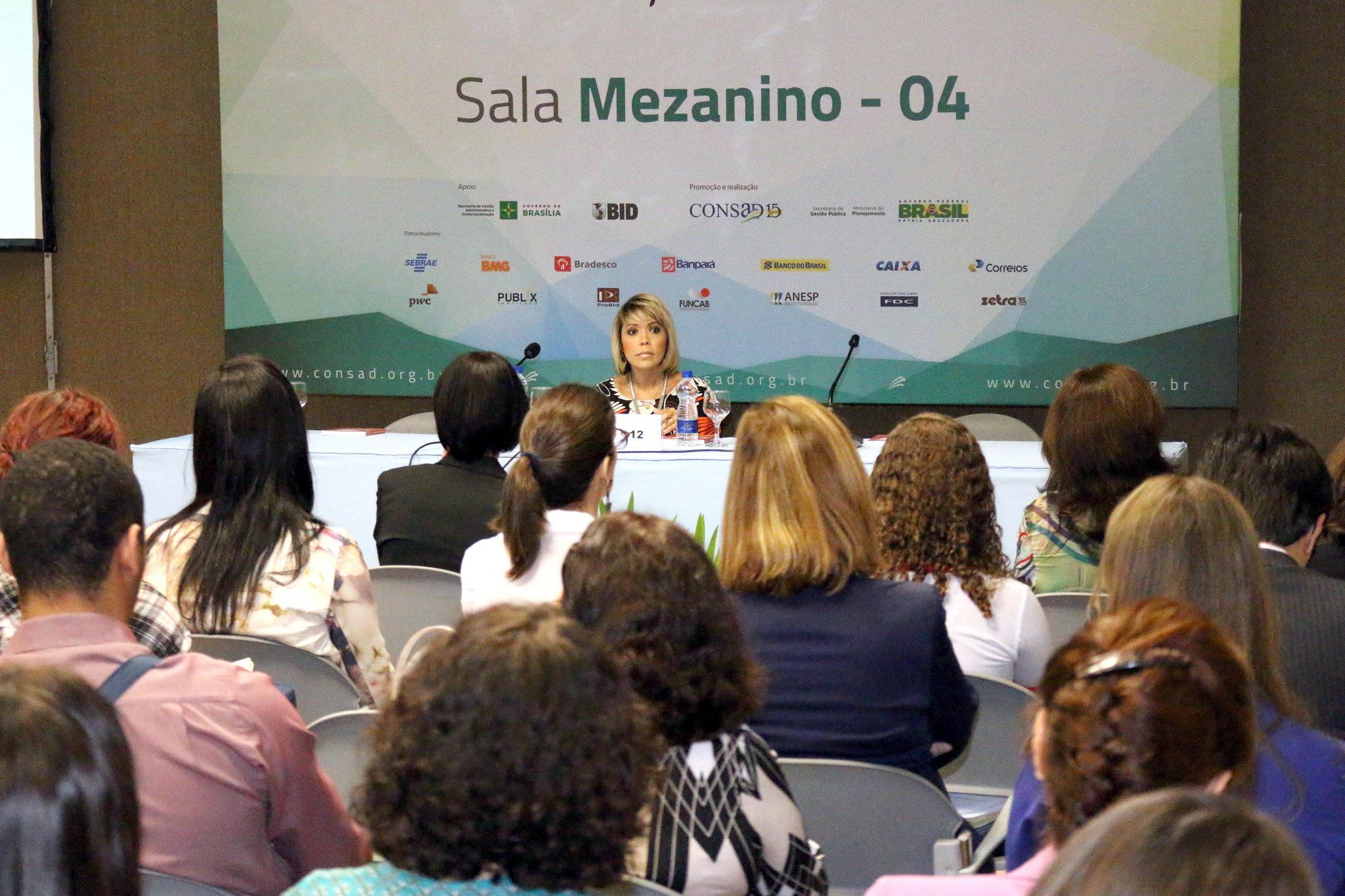 Vice-Presidente Aleksandra Santos em palestra