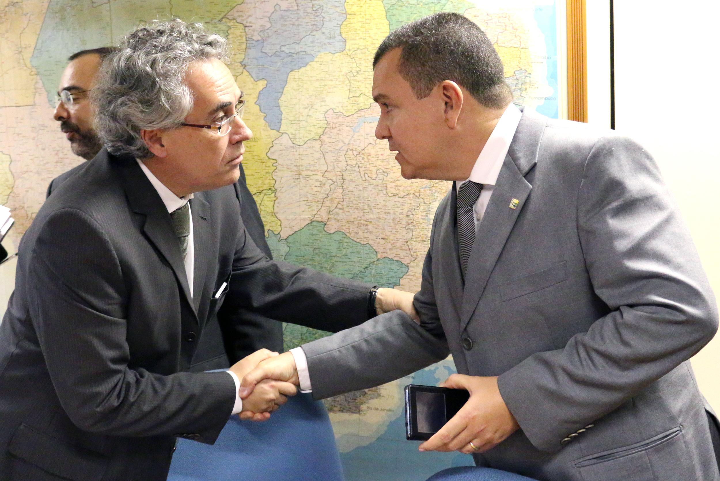 João Aurélio cobra melhor proposta do Secretário de Relações de Trabalho. Foto: Filipe Calmon / ANESP