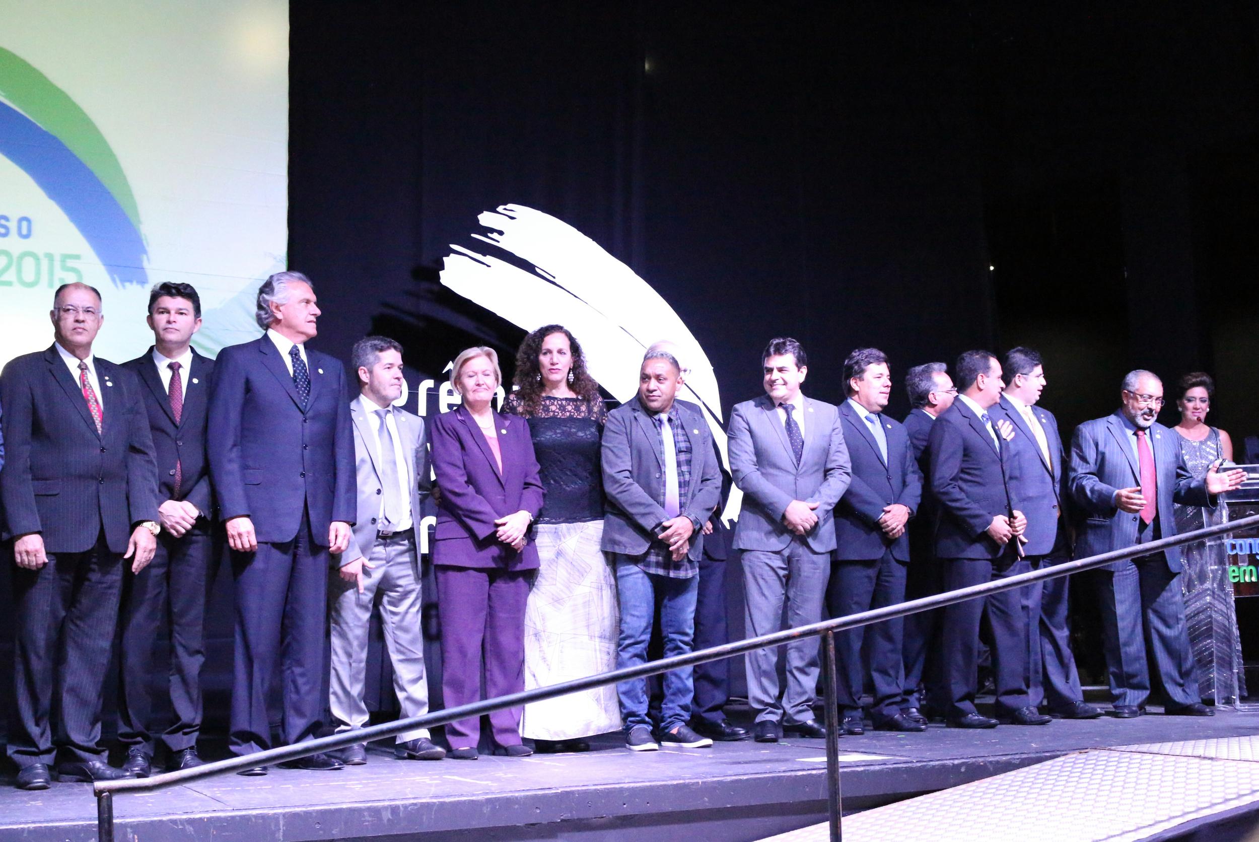 Os parlamentares receberam votos do público na internet e de jornalistas especializados