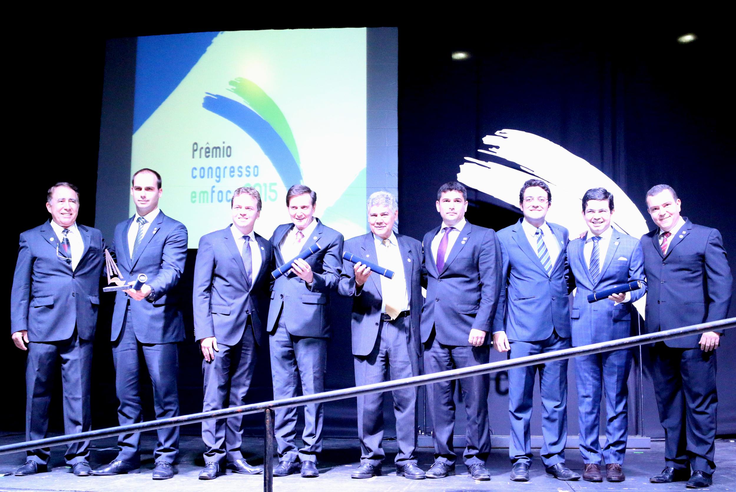 Representantes do Ciclo de Gestão entregam prêmio Profissionalização da Gestão pública
