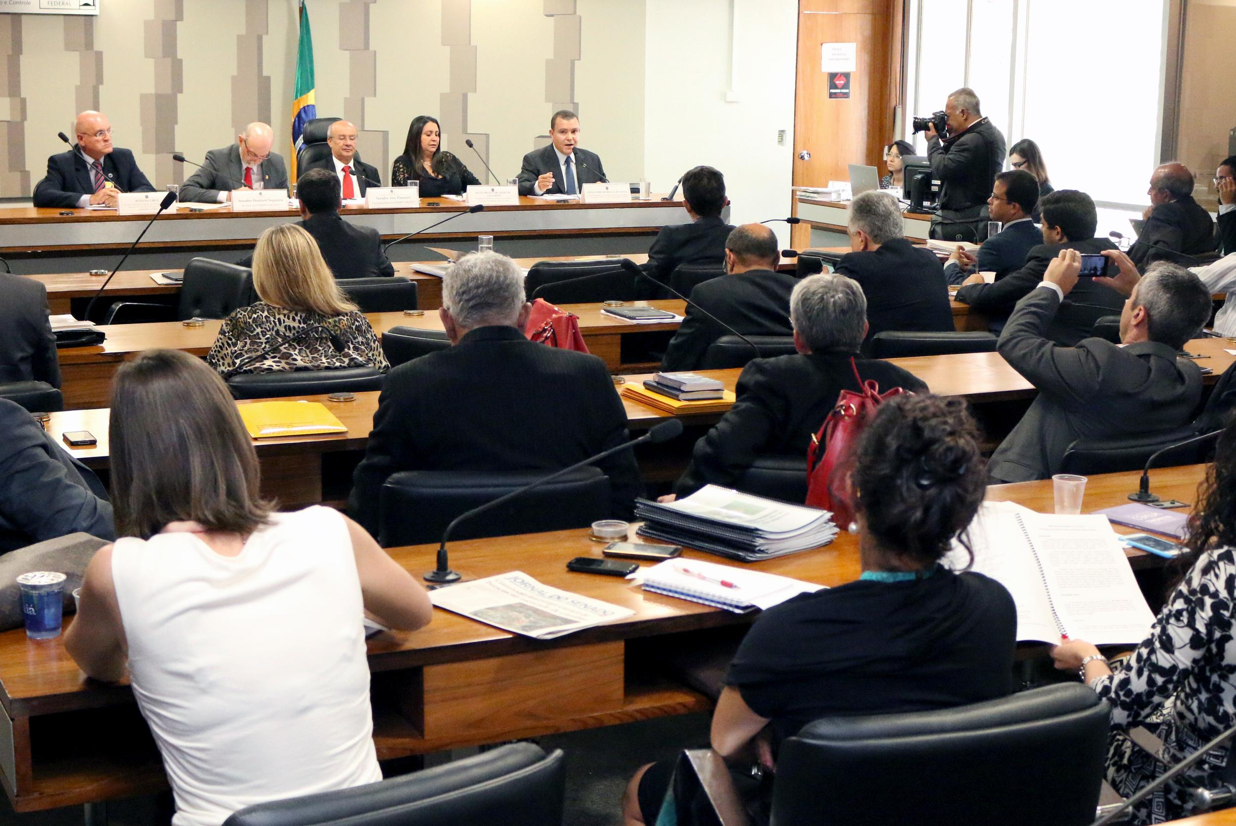 09 João Aurélio - Audiência Pública MP 696 2015.jpg