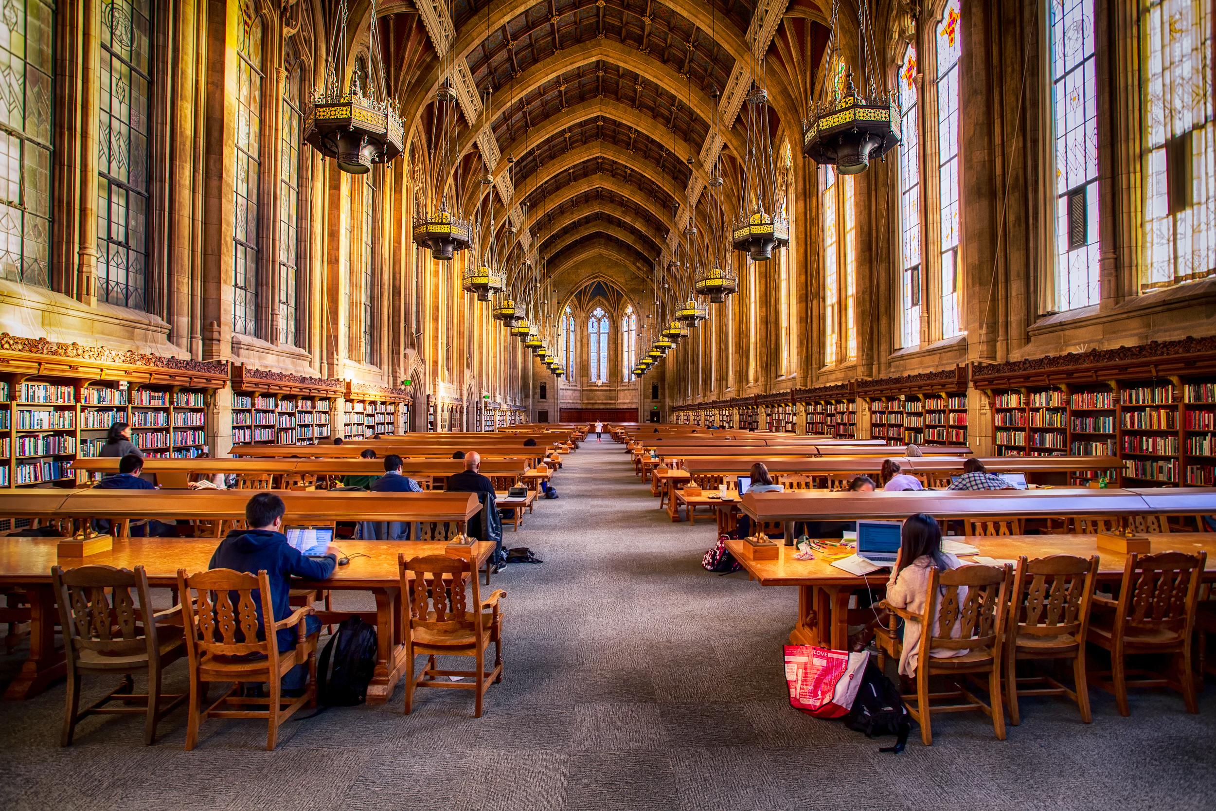 Biblioteca Suzzallo, da Universidade de Washington . Foto: Michael Matti