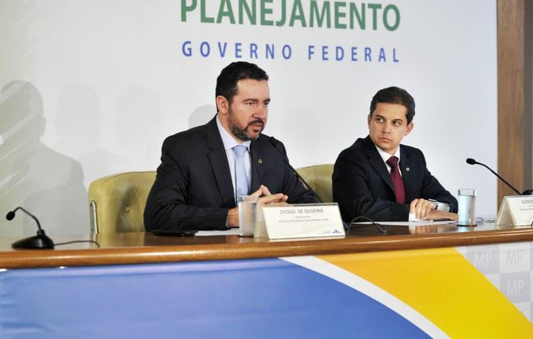 Ministro interino Dyogo Oliveira e Secretário de Gestão, Gleisson Rubin, EPPGGs da 4ª Turma. Foto: Gleice Mere / MP