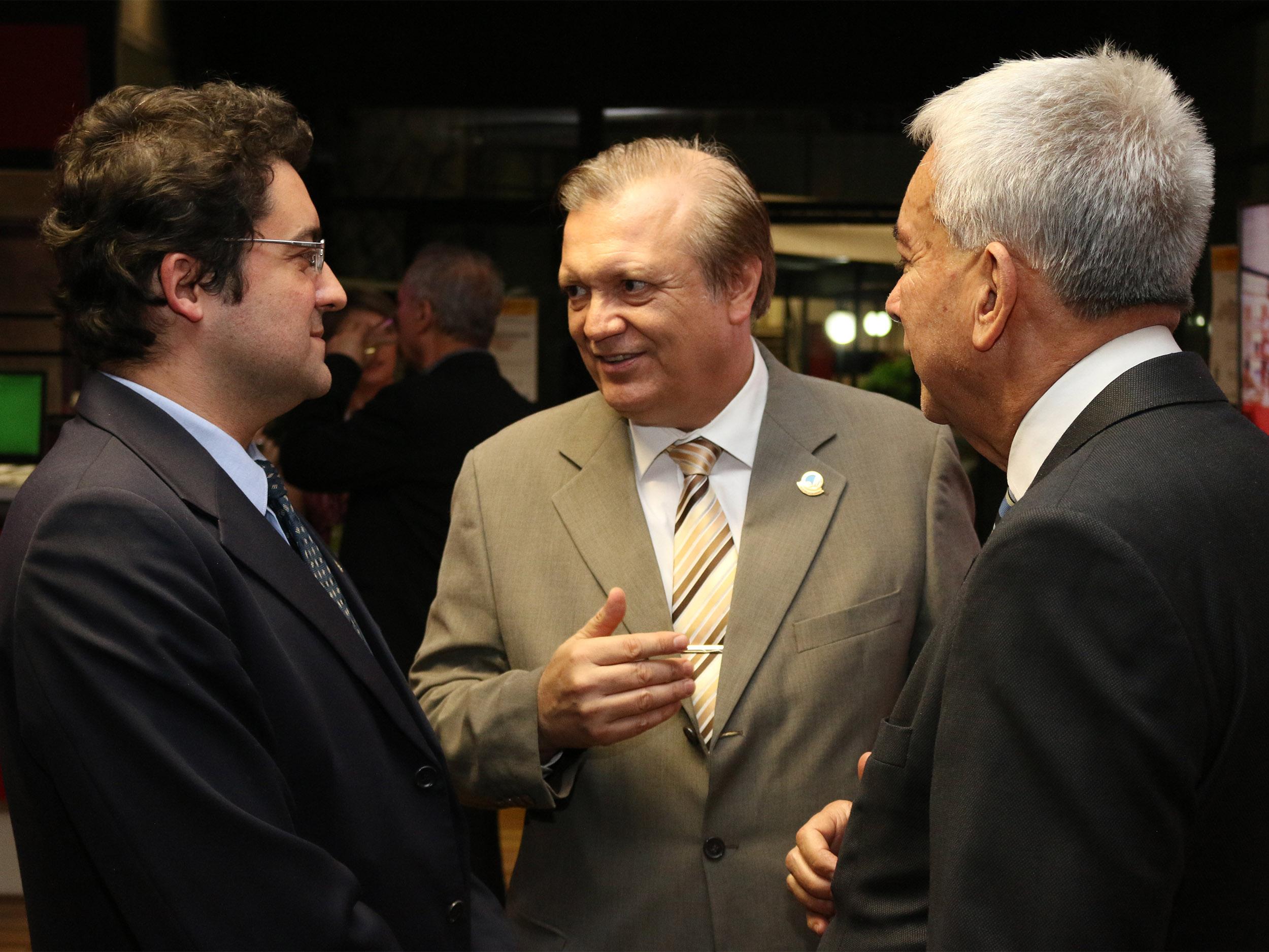 Presidente da ANESP, Alex Canuto,Luiz Alberto dos Santos, ex-Presidente da ANESP,e o ex-Presidente da ENAP Antônio Octávio Cintra. Foto: Filipe Calmon / ANESP