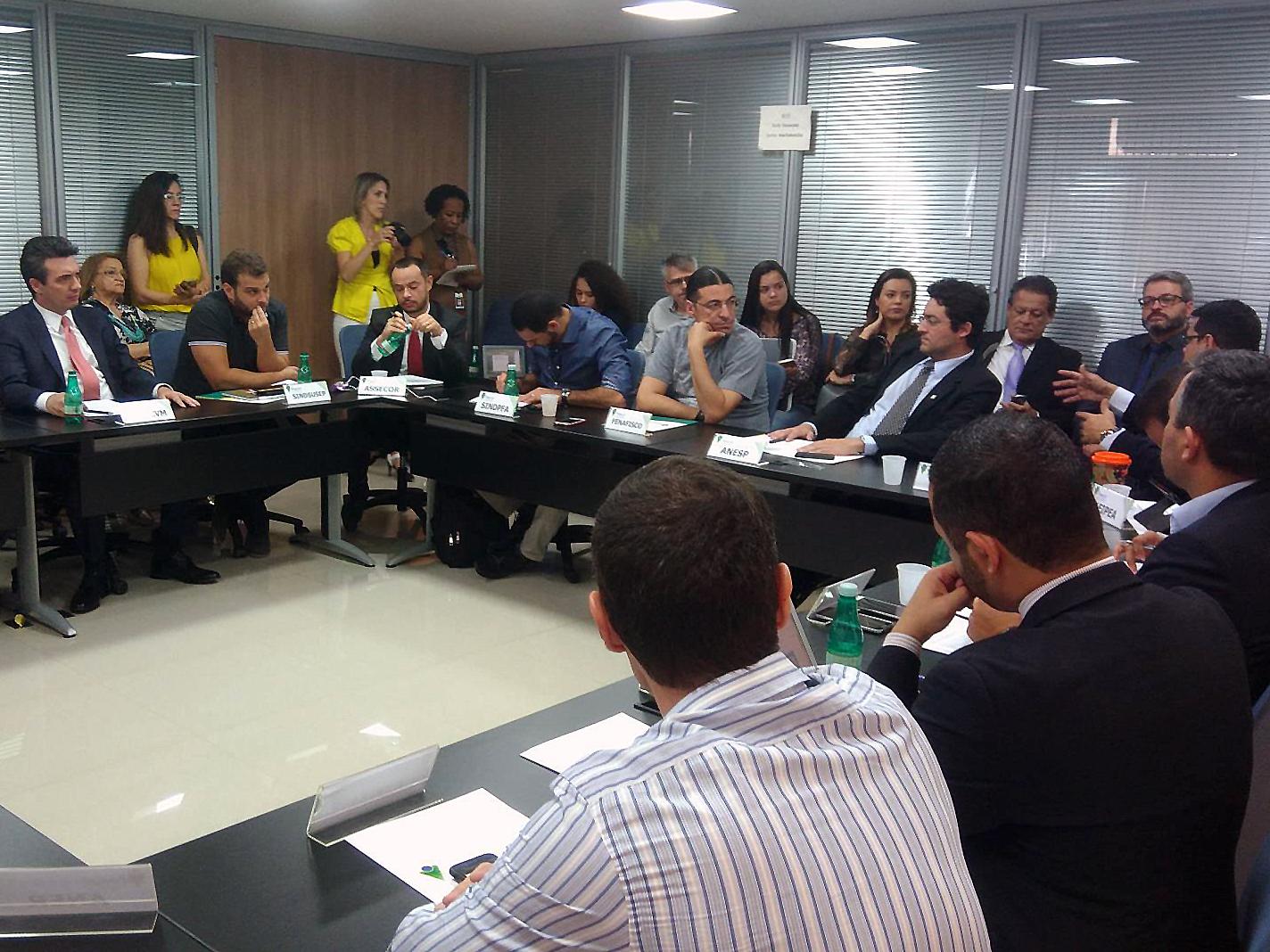 Presidente da ANESP, Alex Canuto, durante Assembleia do Fonacate nesta terça-feira. Foto: Natália Pereira / SindPFA